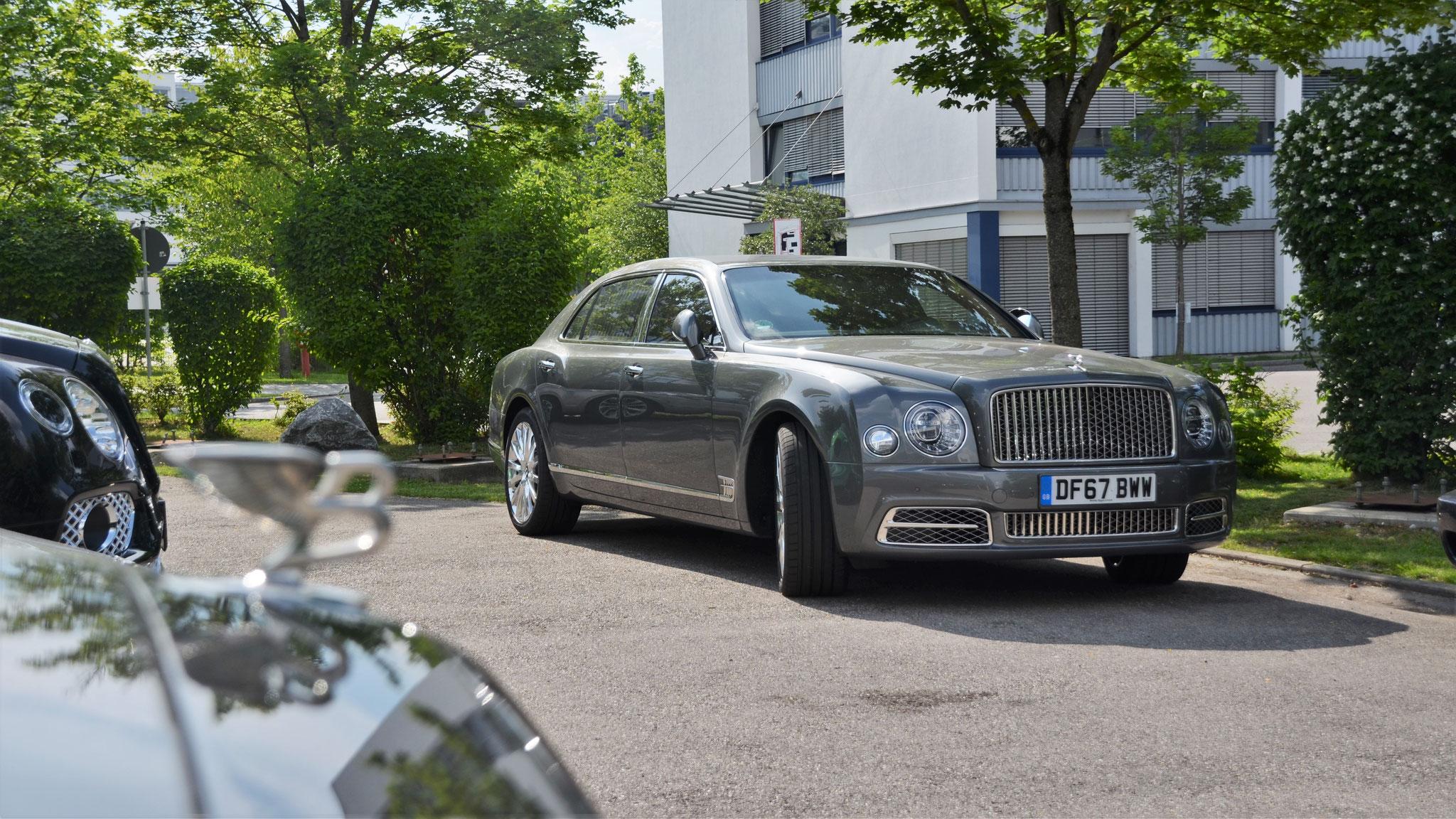 Bentley Mulsanne EWB - DF67-BWW (GB)