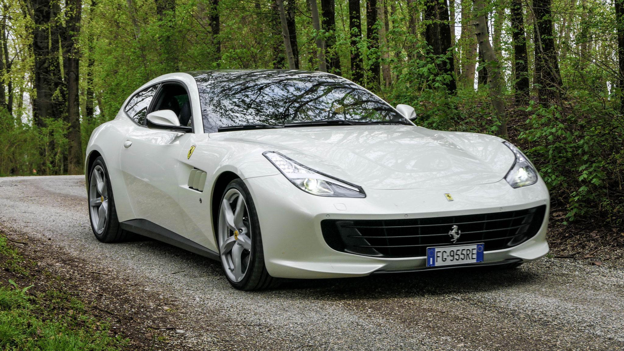 Ferrari GTC4 Lusso - FG-955-RE (ITA)