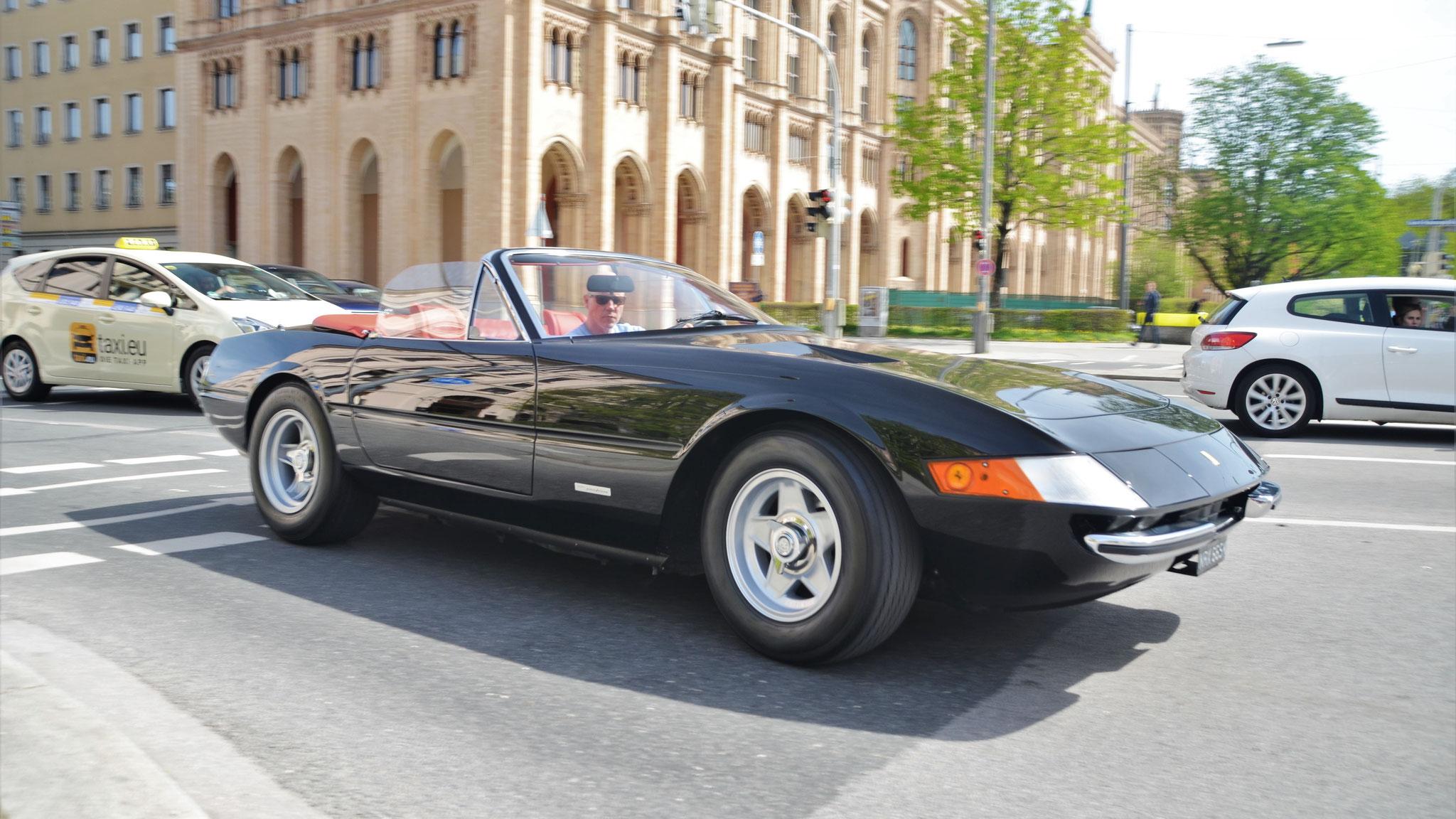 Ferrari 365 Daytona Spider (1 of 125) - NRX-665K (GB)