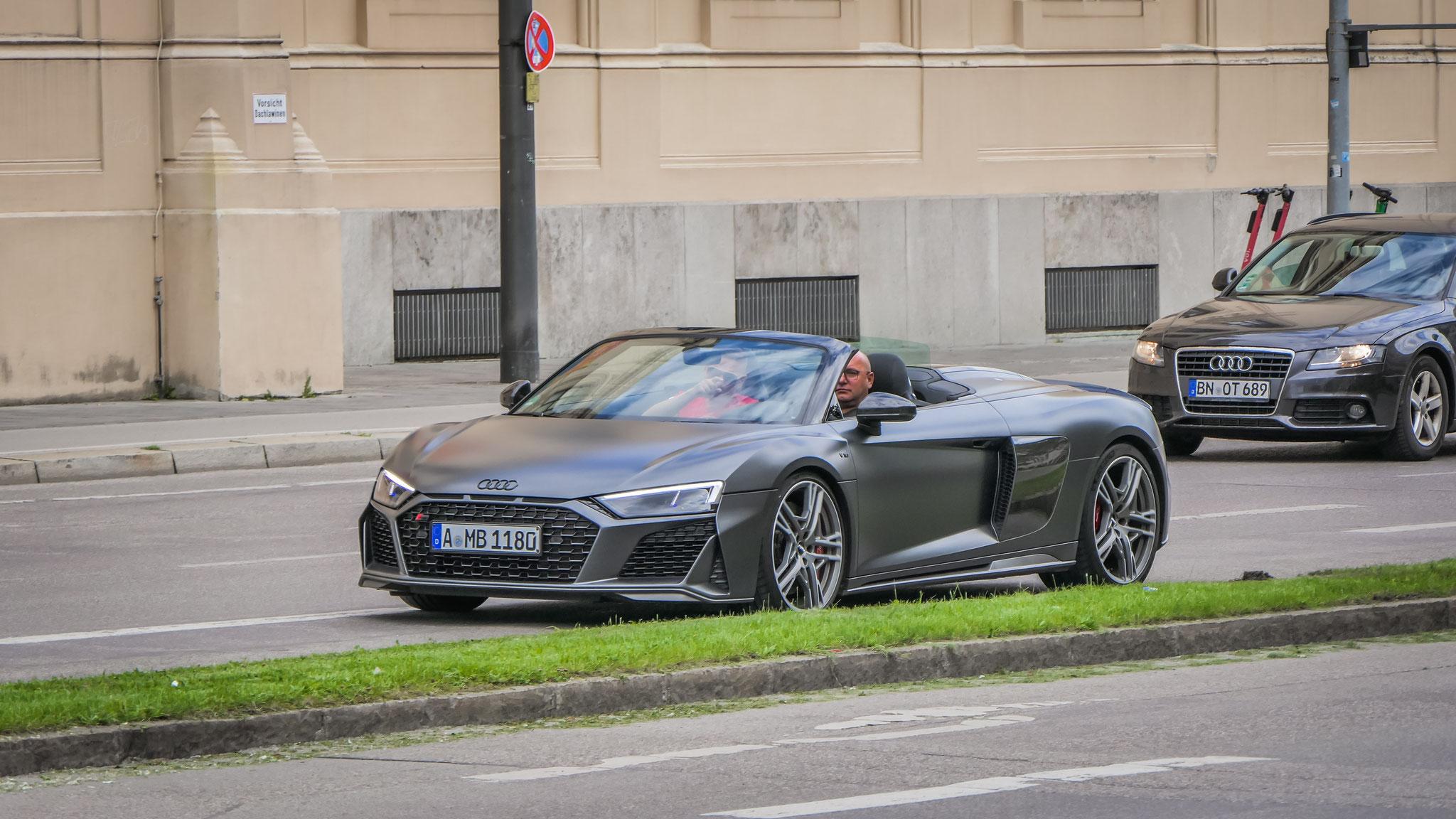 Audi R8 V10 Spyder - A-MB-1180