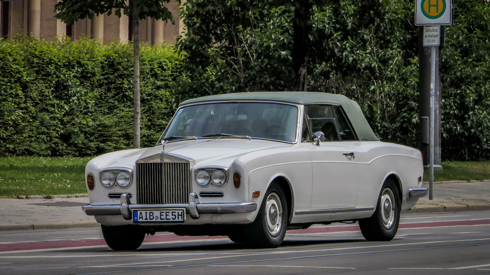 Rolls Royce Corniche - AIB-EE-5H