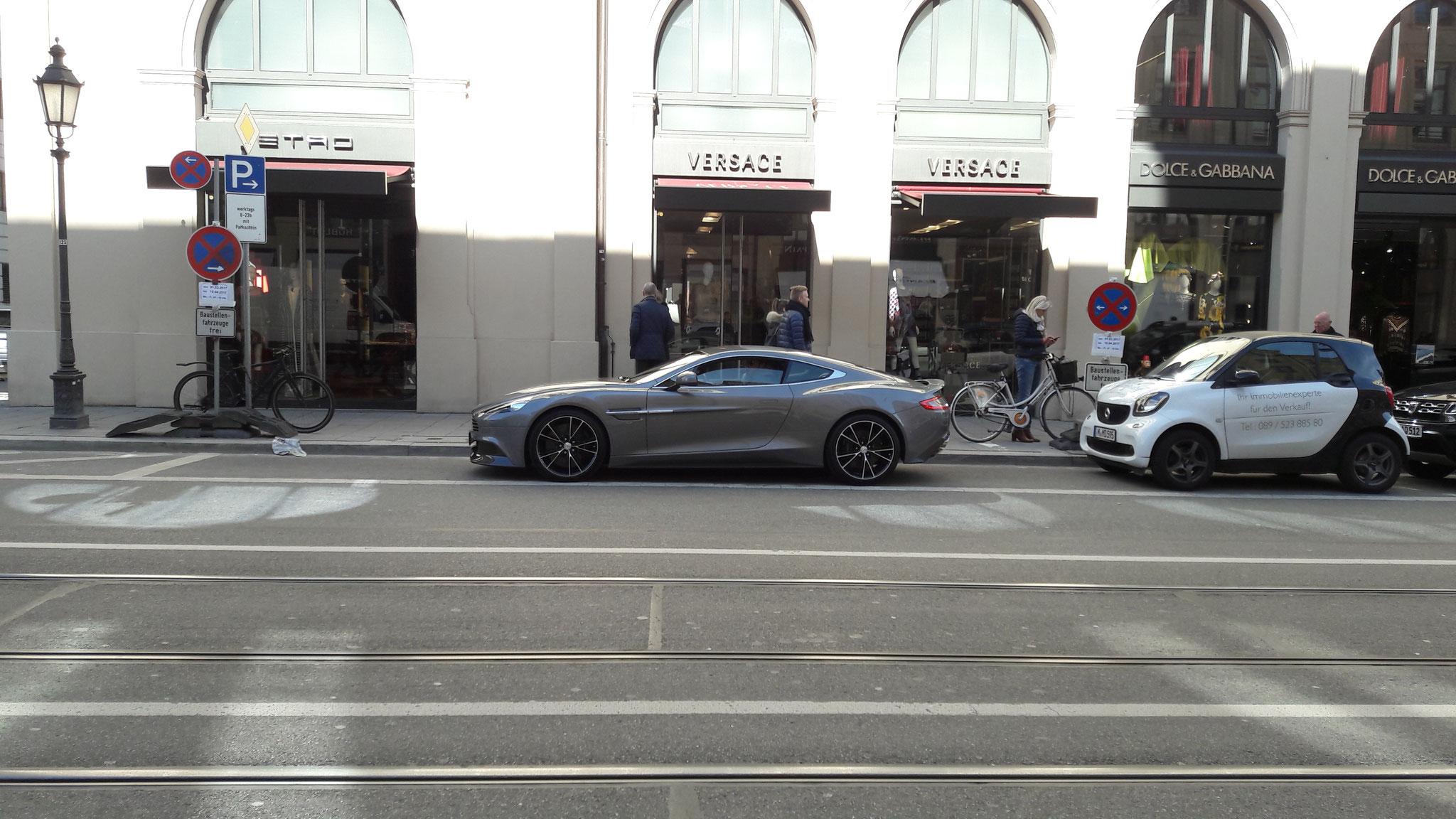 Aston Martin Vanquish - M-AM-8907