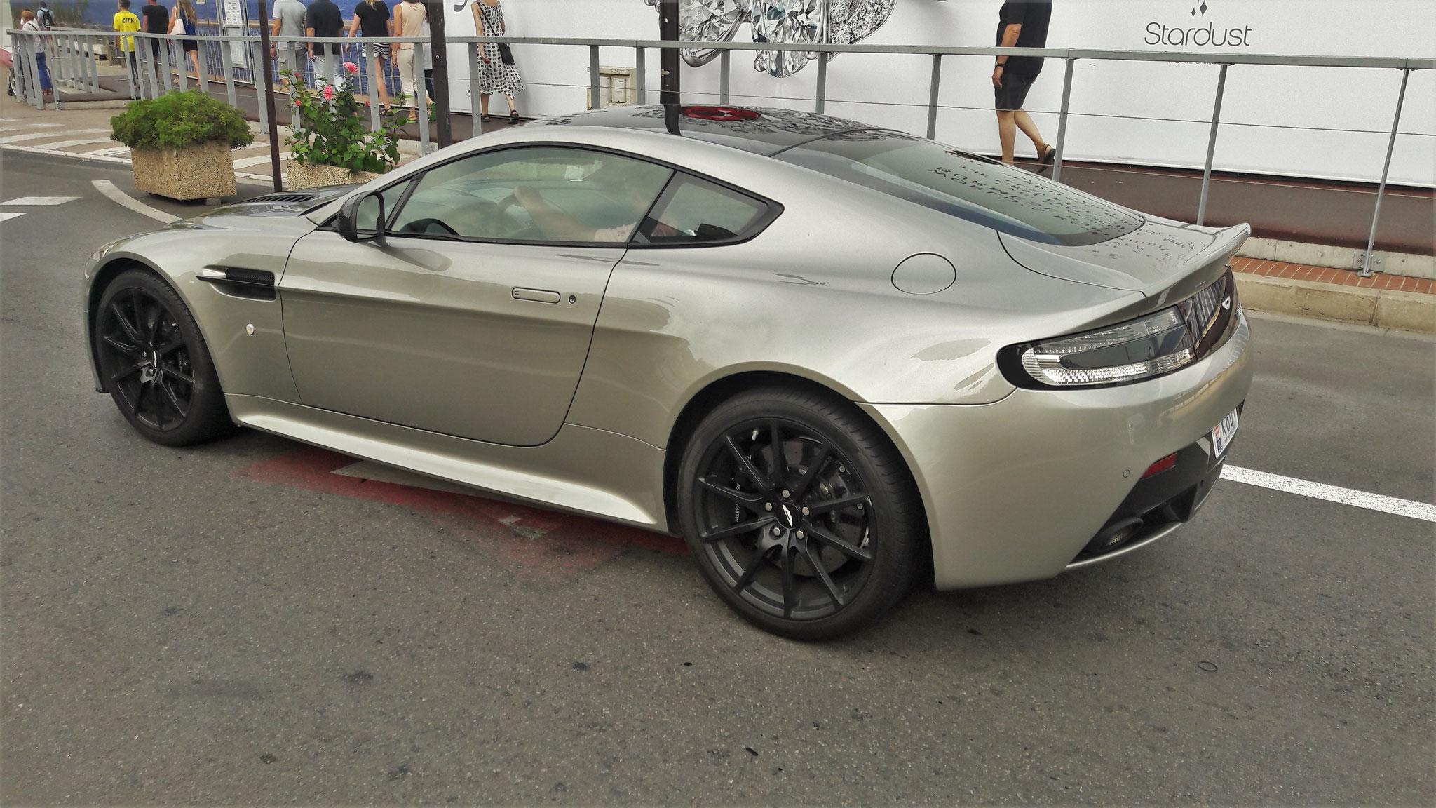 Aston Martin Vantage V12 S - K607 (MC)