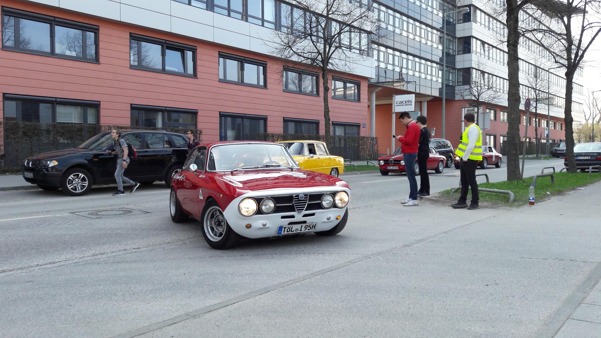 Alfa Romeo 2000 GT Veloce - TÖL-I-95H