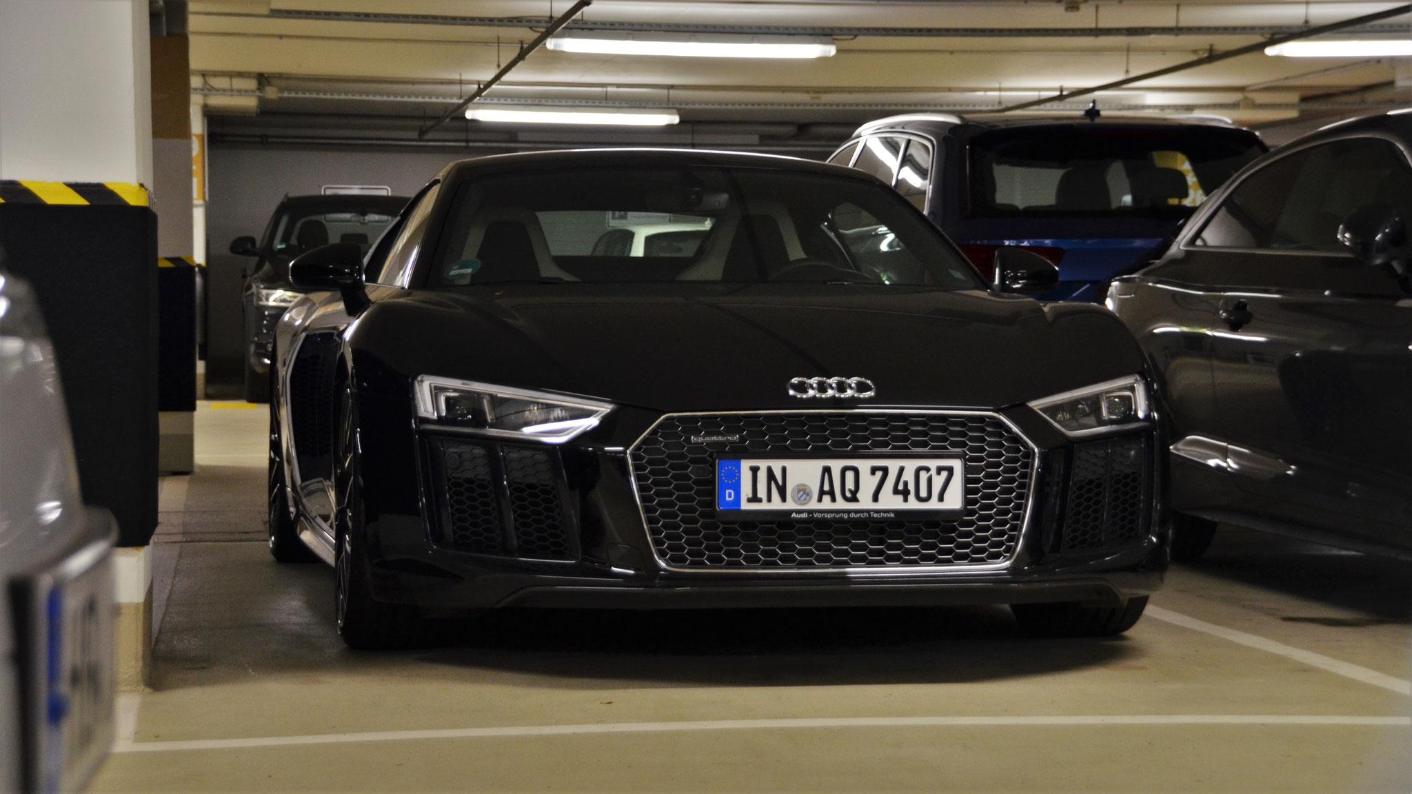 Audi R8 V10 - IN-AQ-7407