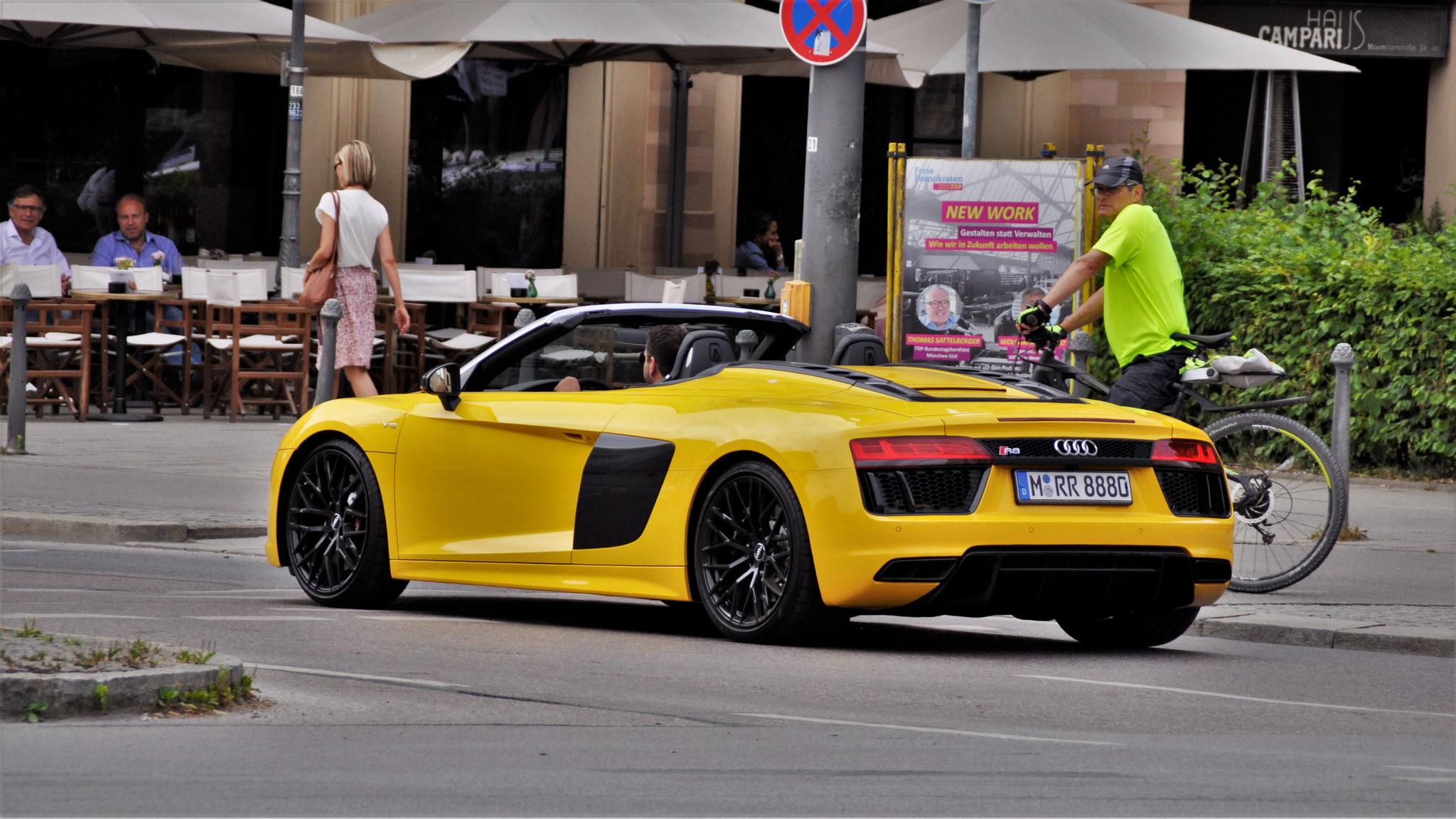 Audi R8 V10 Spyder - M-RR-8880