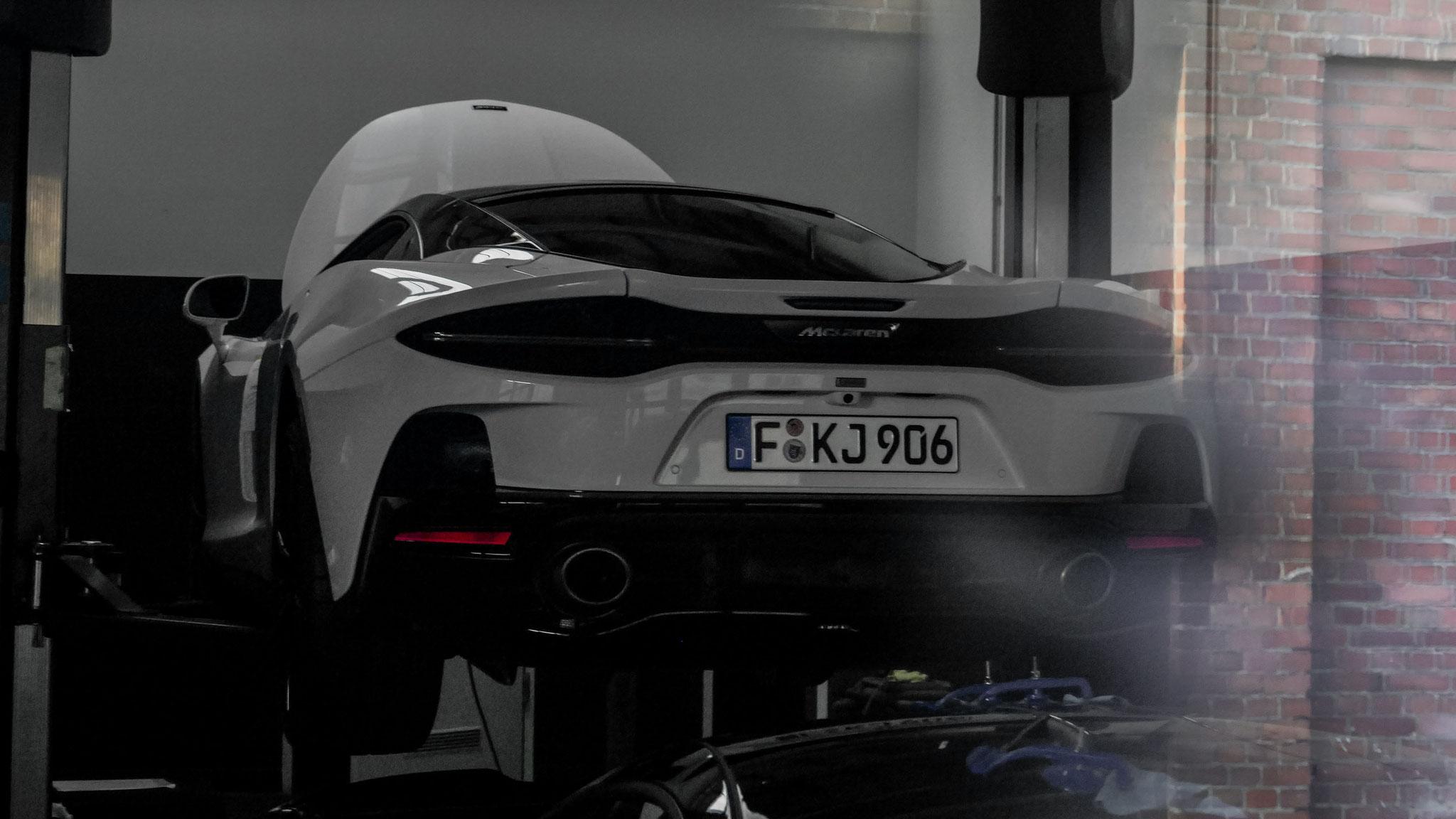 McLaren GT - F-KJ-906
