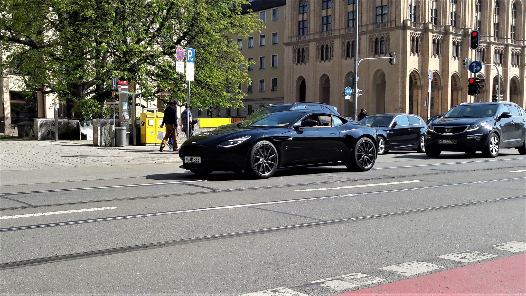 Aston Martin DB11 - M-AM-883