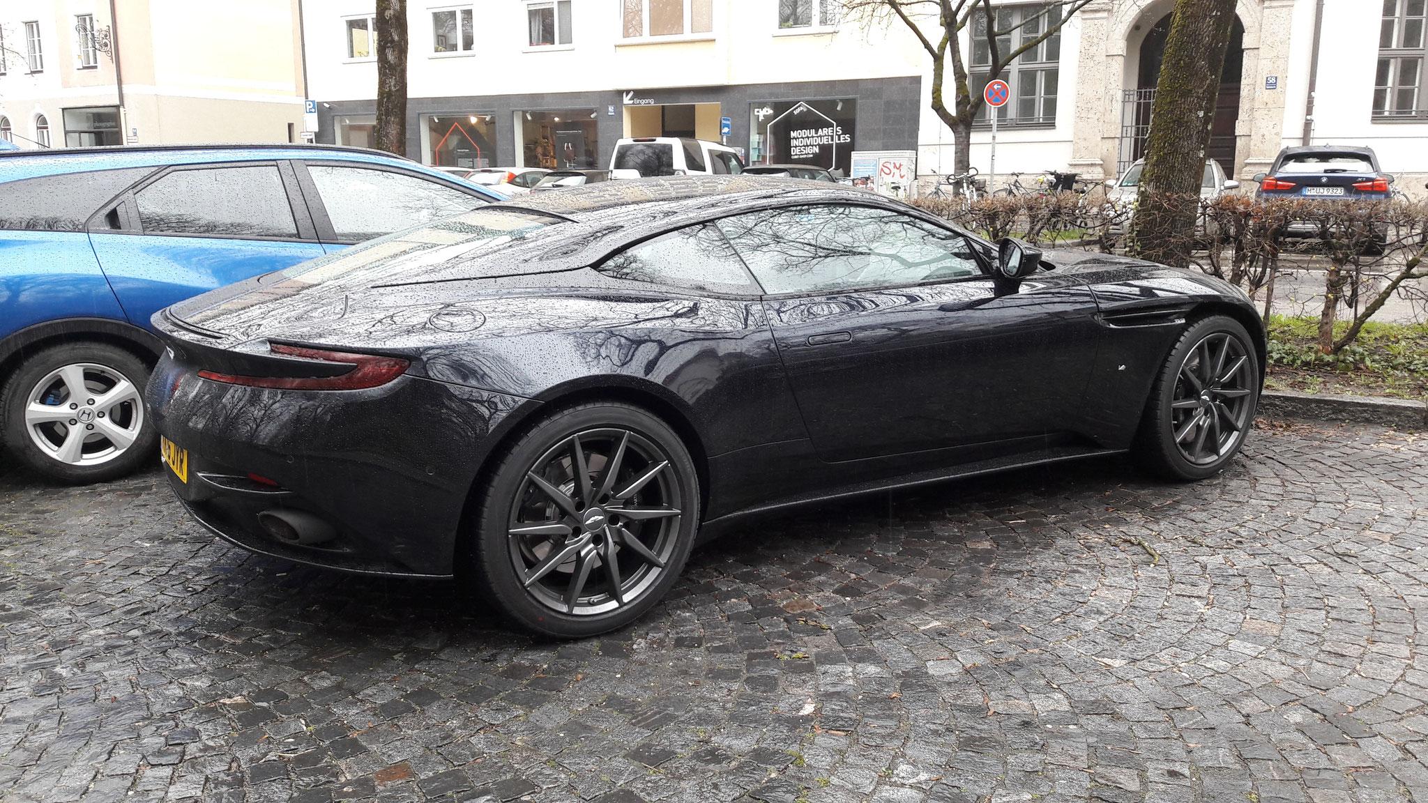 Aston Martin DB11 - KK16-JYR (GB)