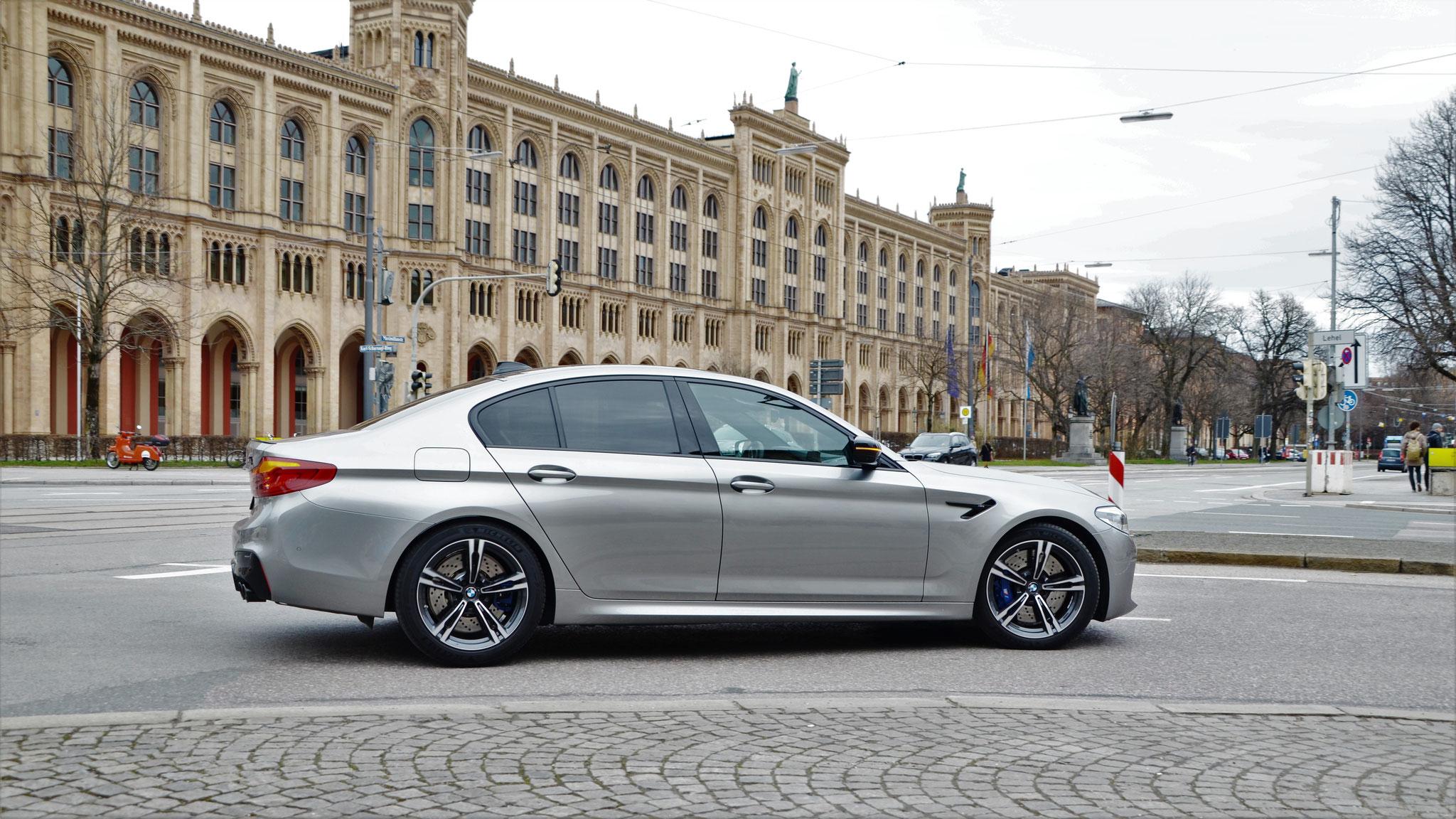 BMW M5 - M-KM-2069