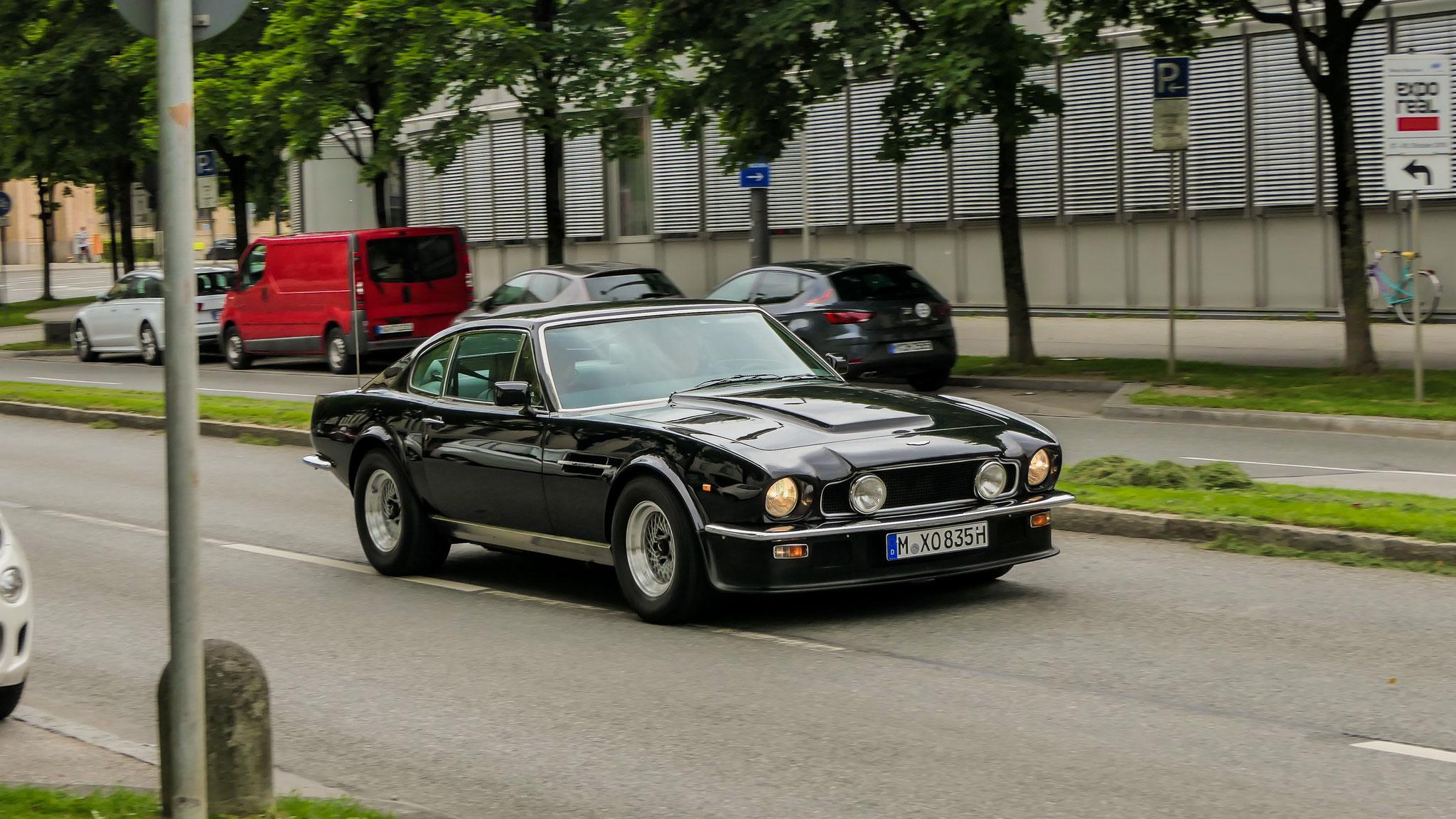 Aston Martin V8 Vantage - M-XO-835H