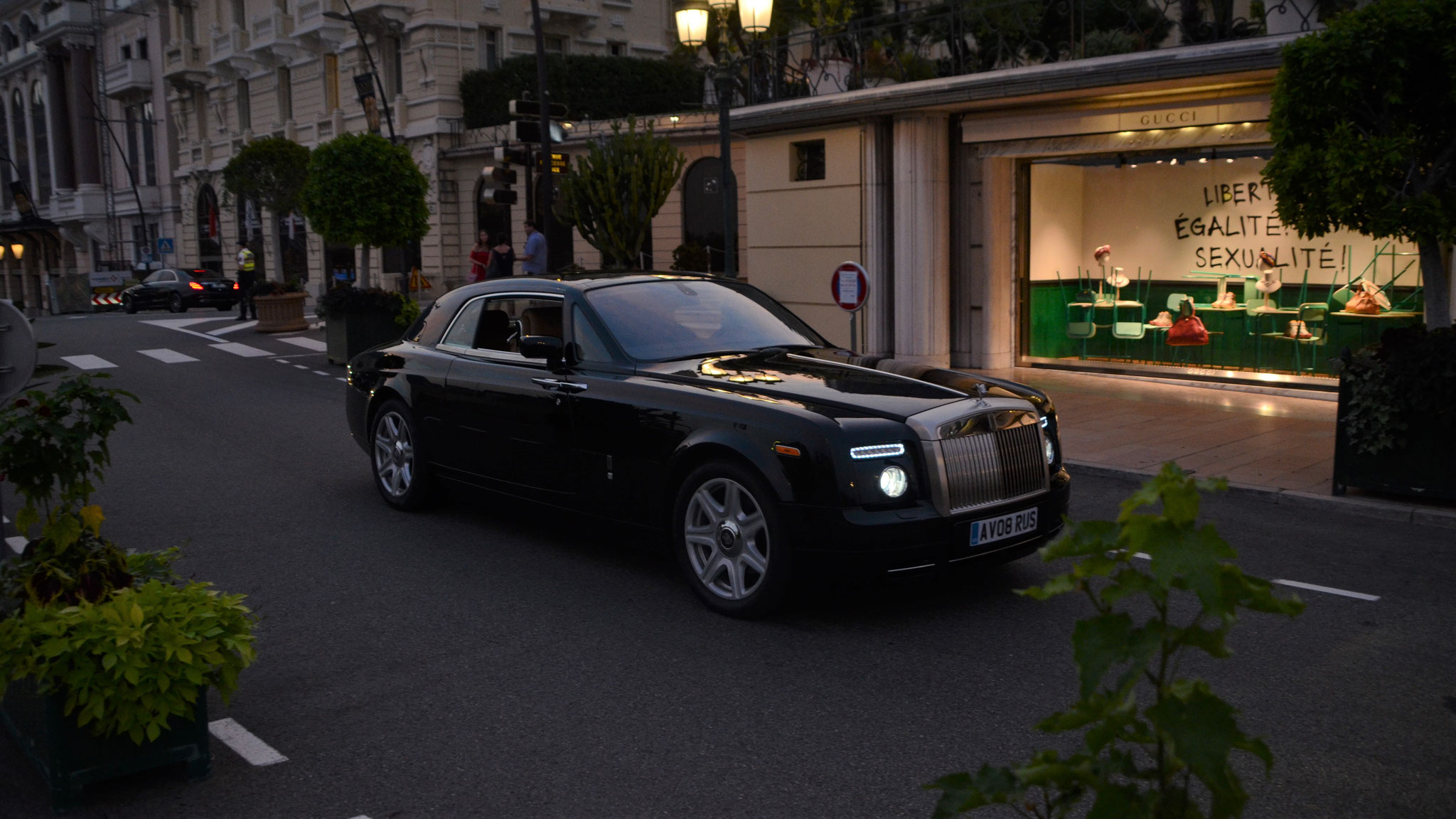 Rolls Royce Drophead Coupé - AV08-RUS (GB)