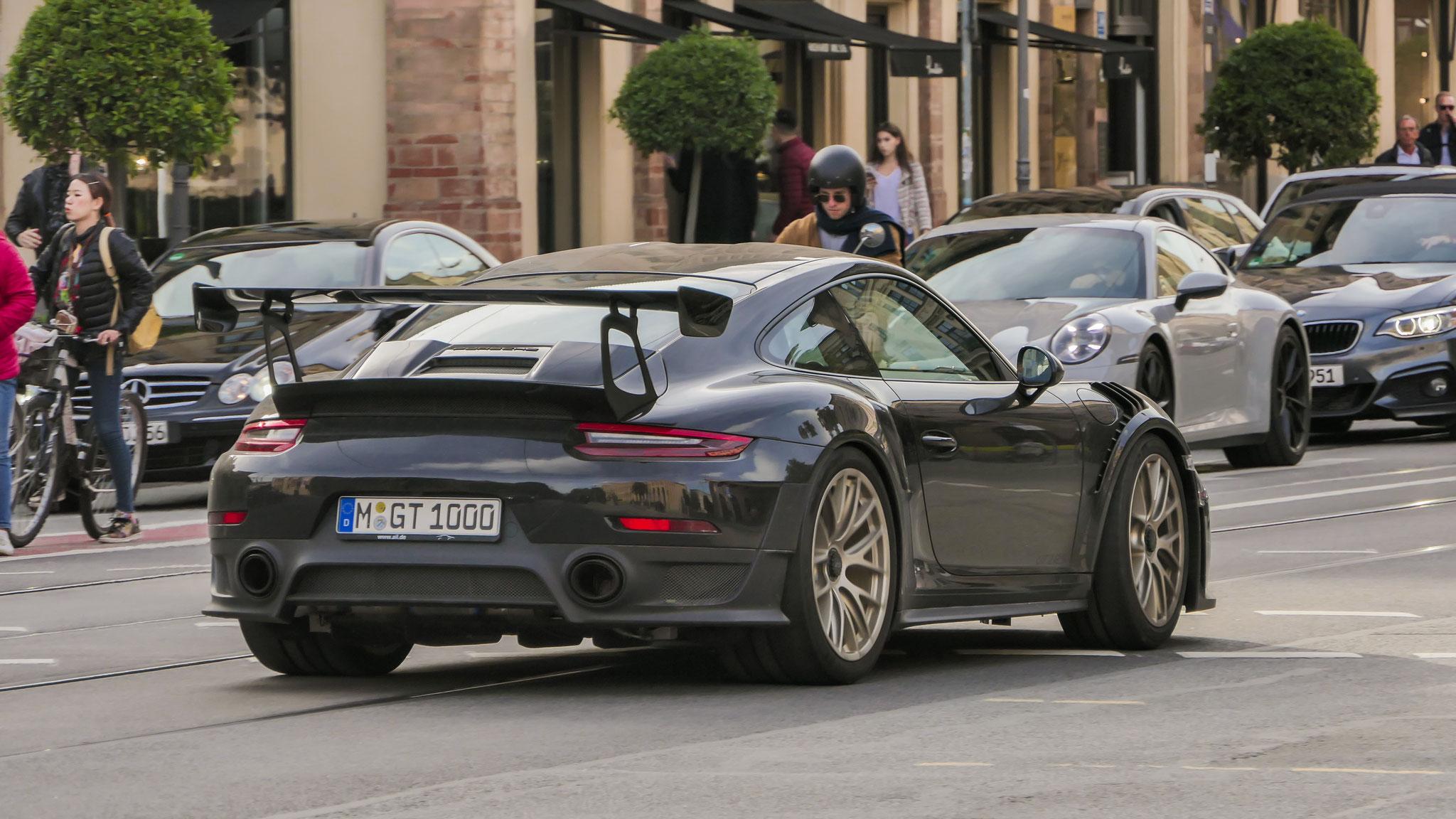 Porsche 911 GT2 RS - M-GT-1000
