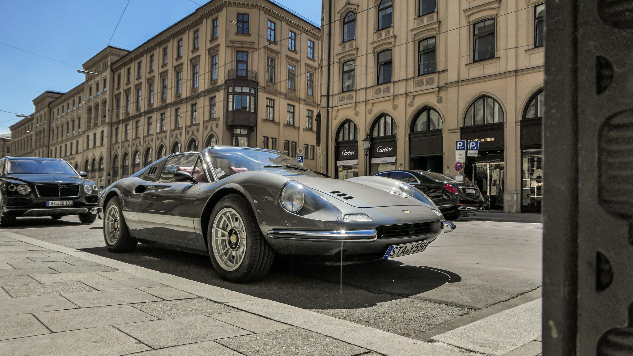 Ferrari Dino 246 - STA-Y-55H