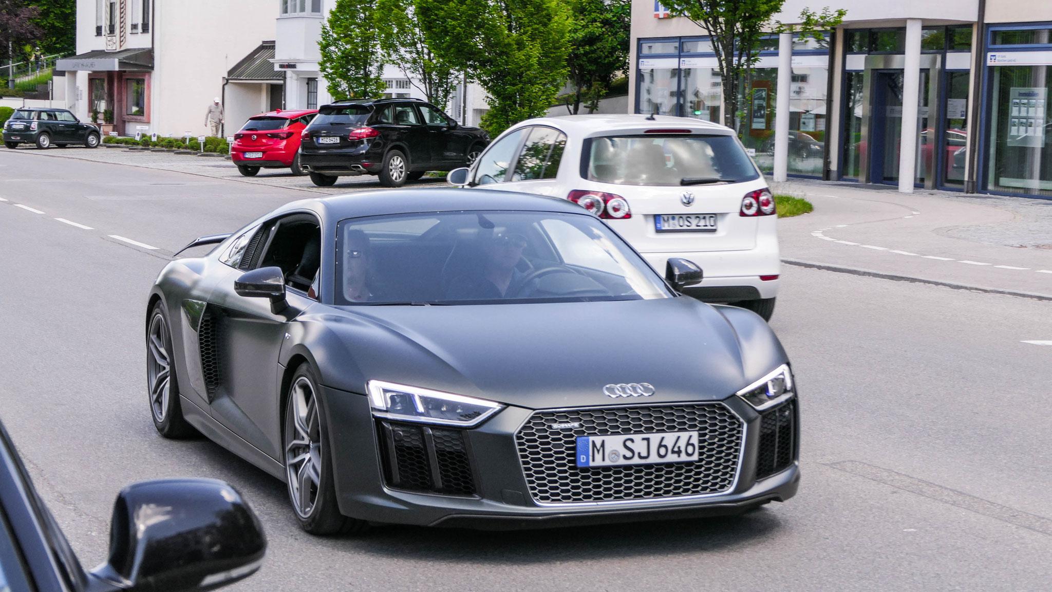 Audi R8 V10 - M-SJ-646
