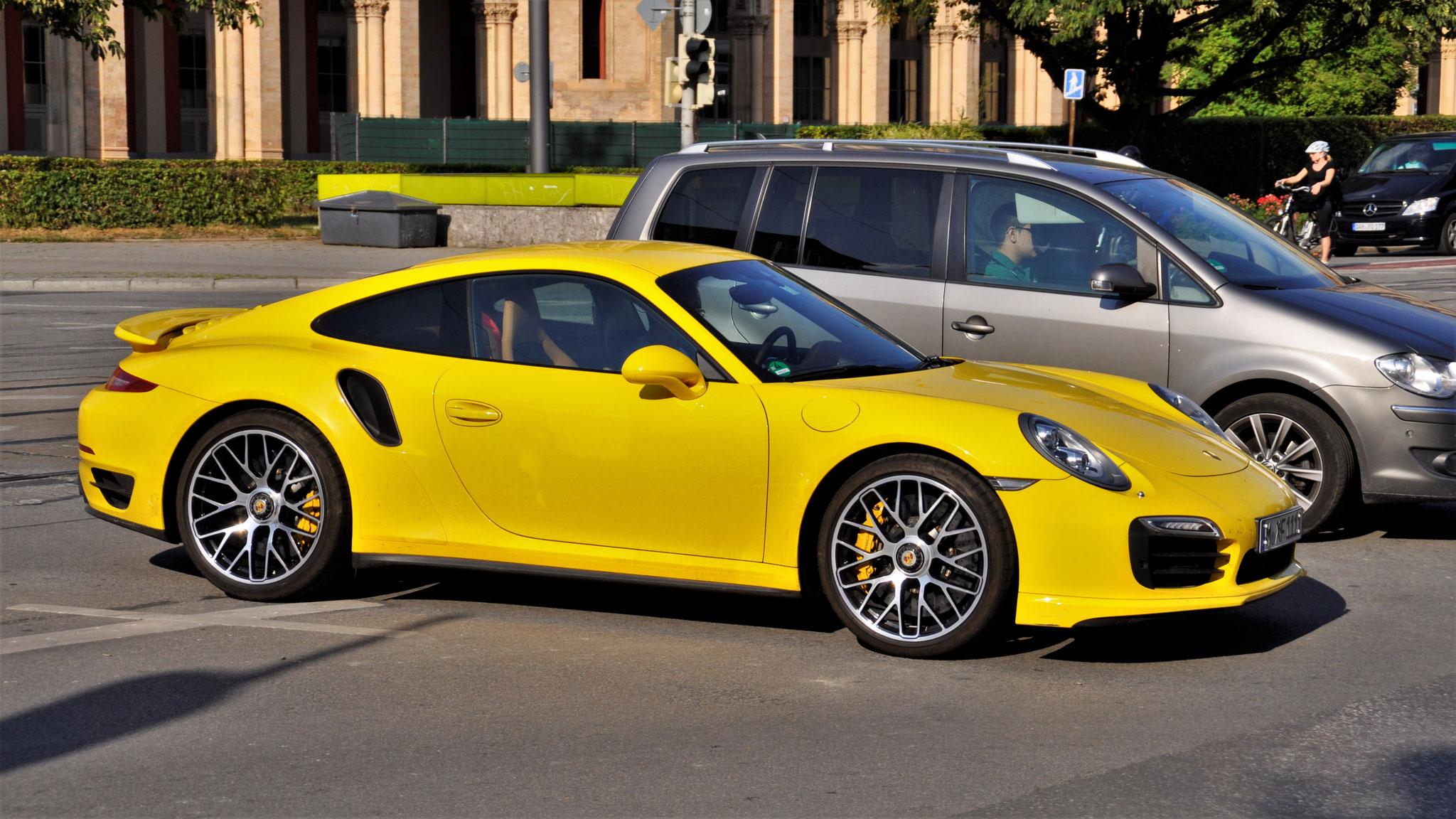 Porsche 911 Turbo S - M-XF-1111