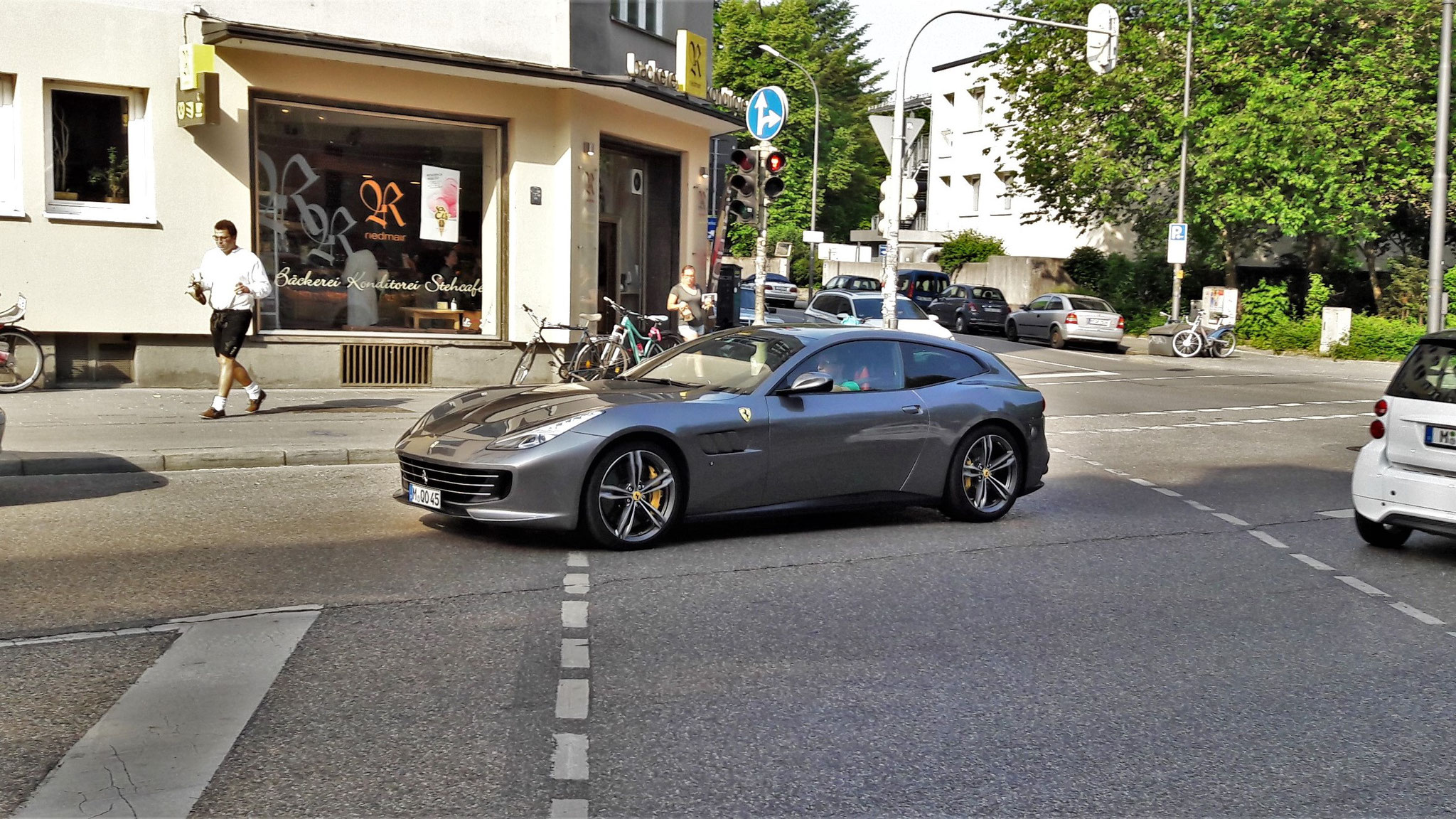 Ferrari GTC4 Lusso - M-QO-45