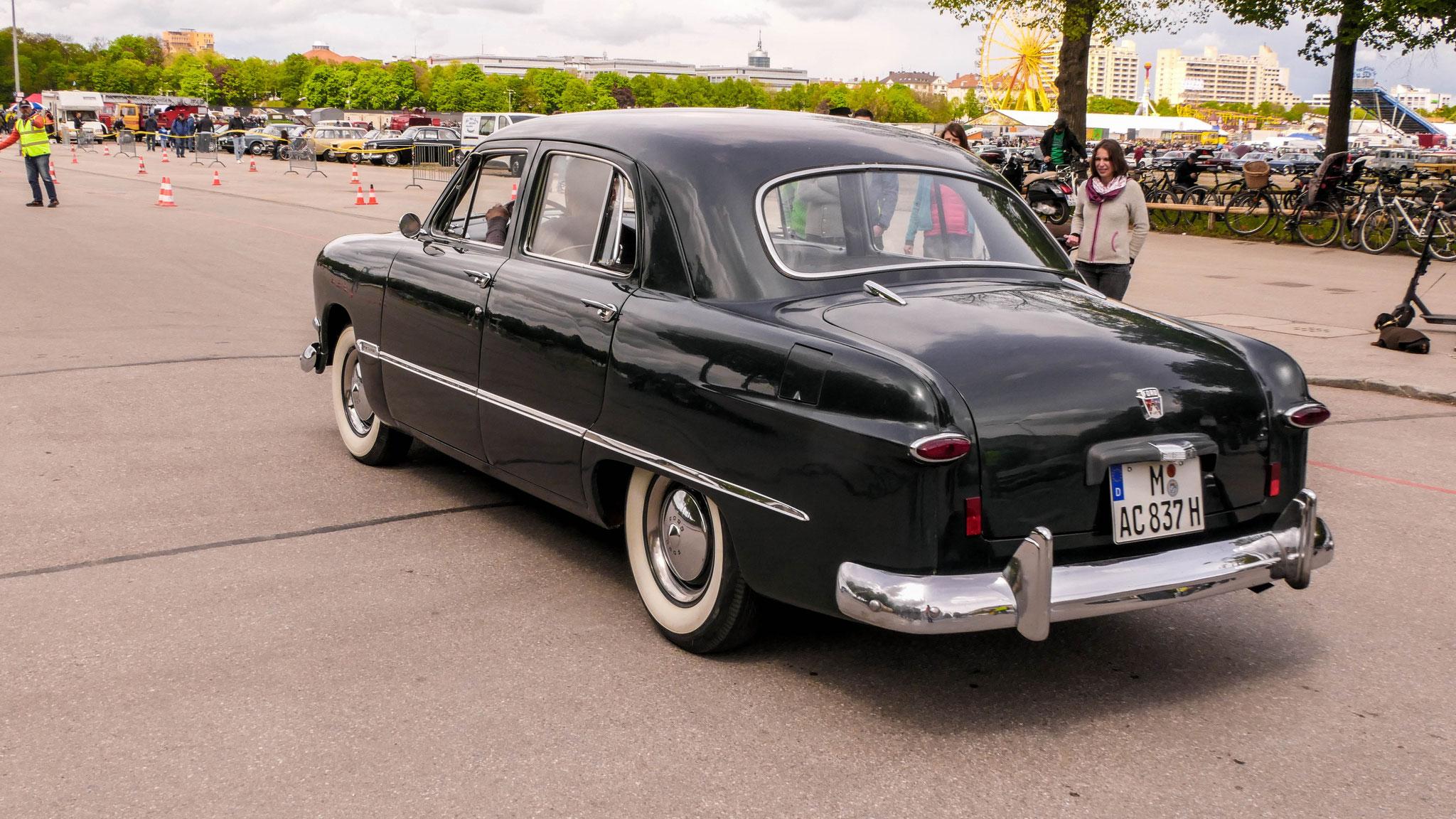 Ford Custom - M-AC-937H