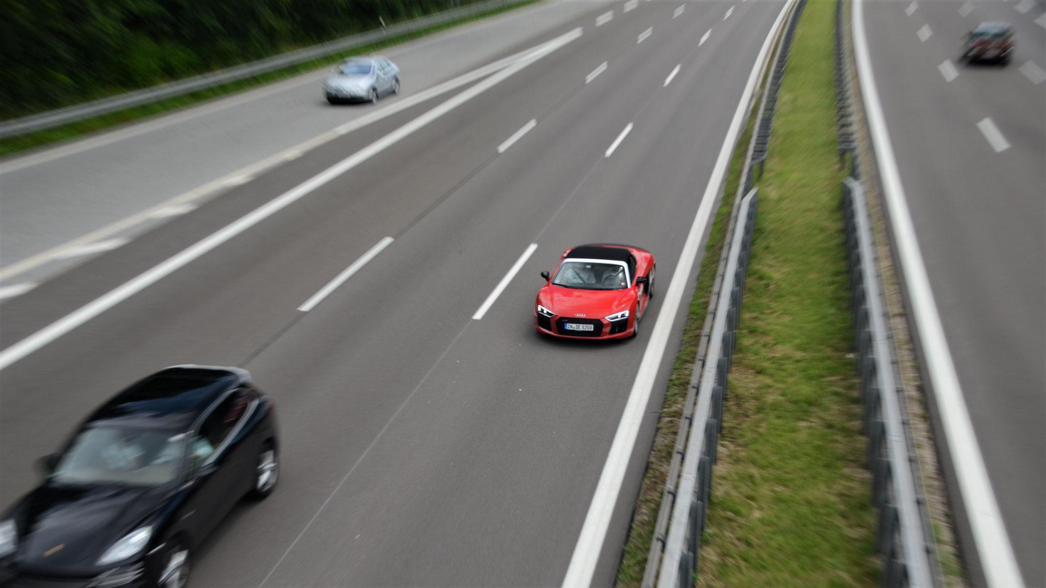 Audi R8 V10 Spyder - IN-DE-8208