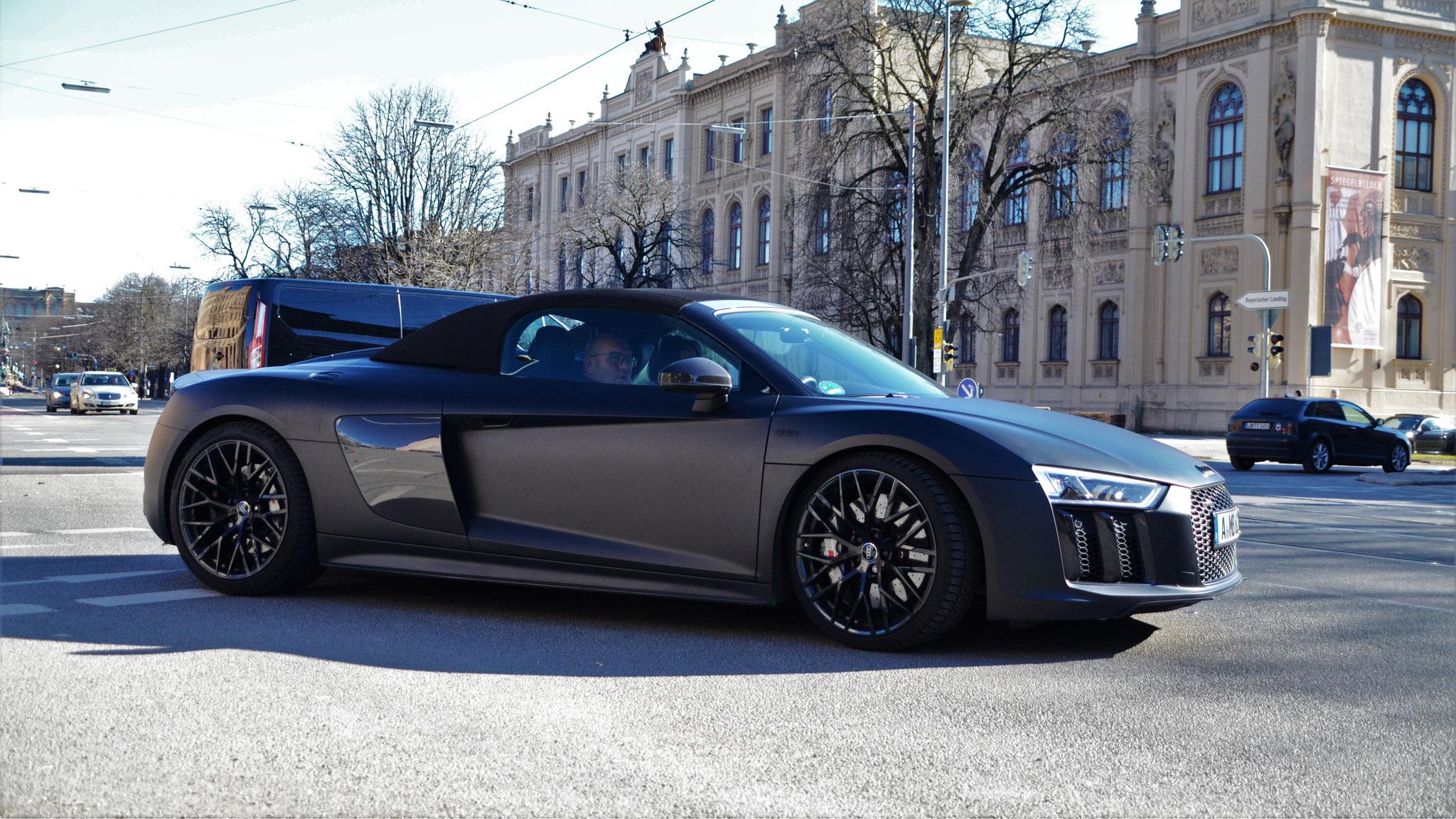 Audi R8 V10 Spyder - A-MB-682
