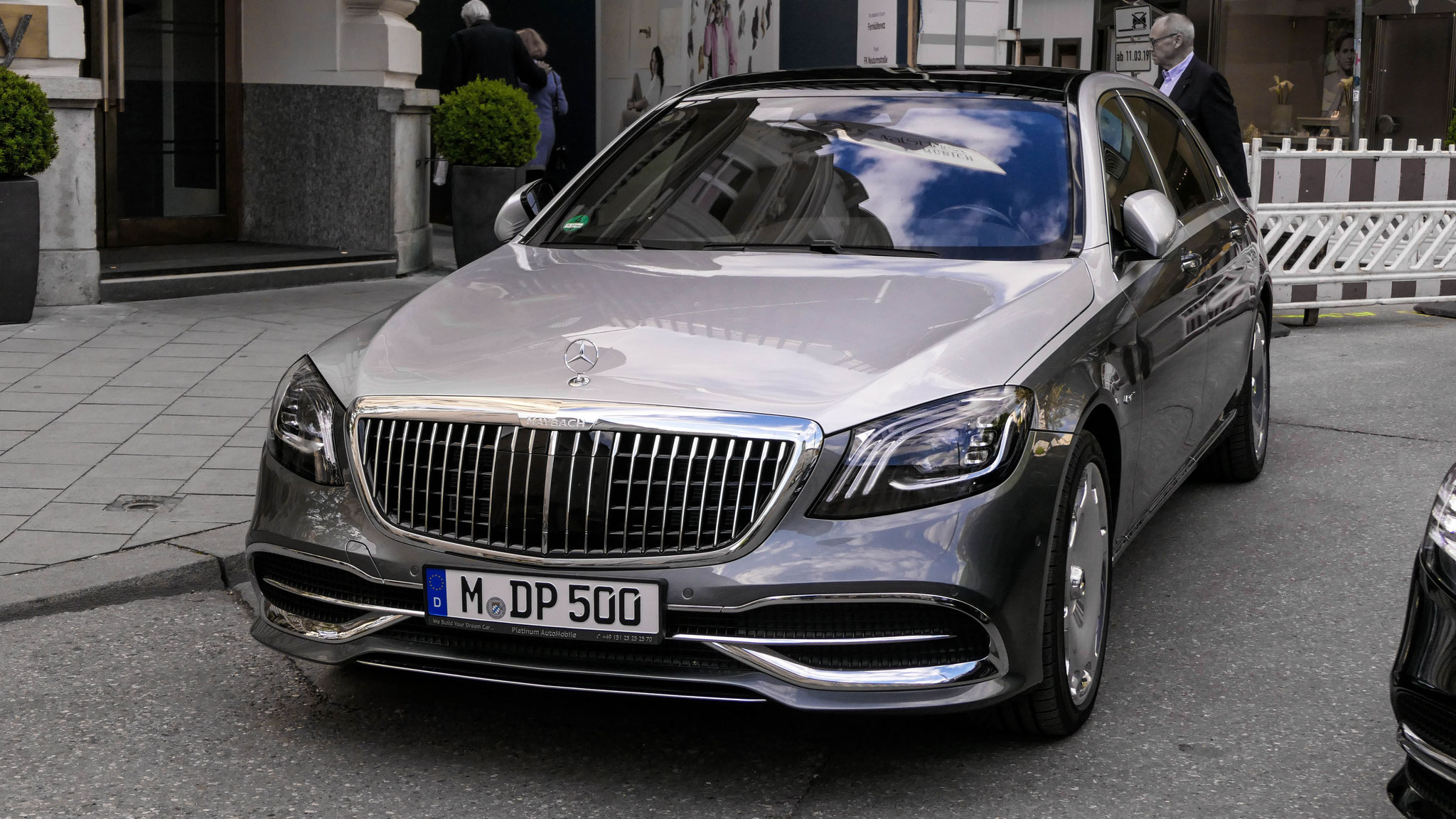 Mercedes Maybach S560 - M-DP-500