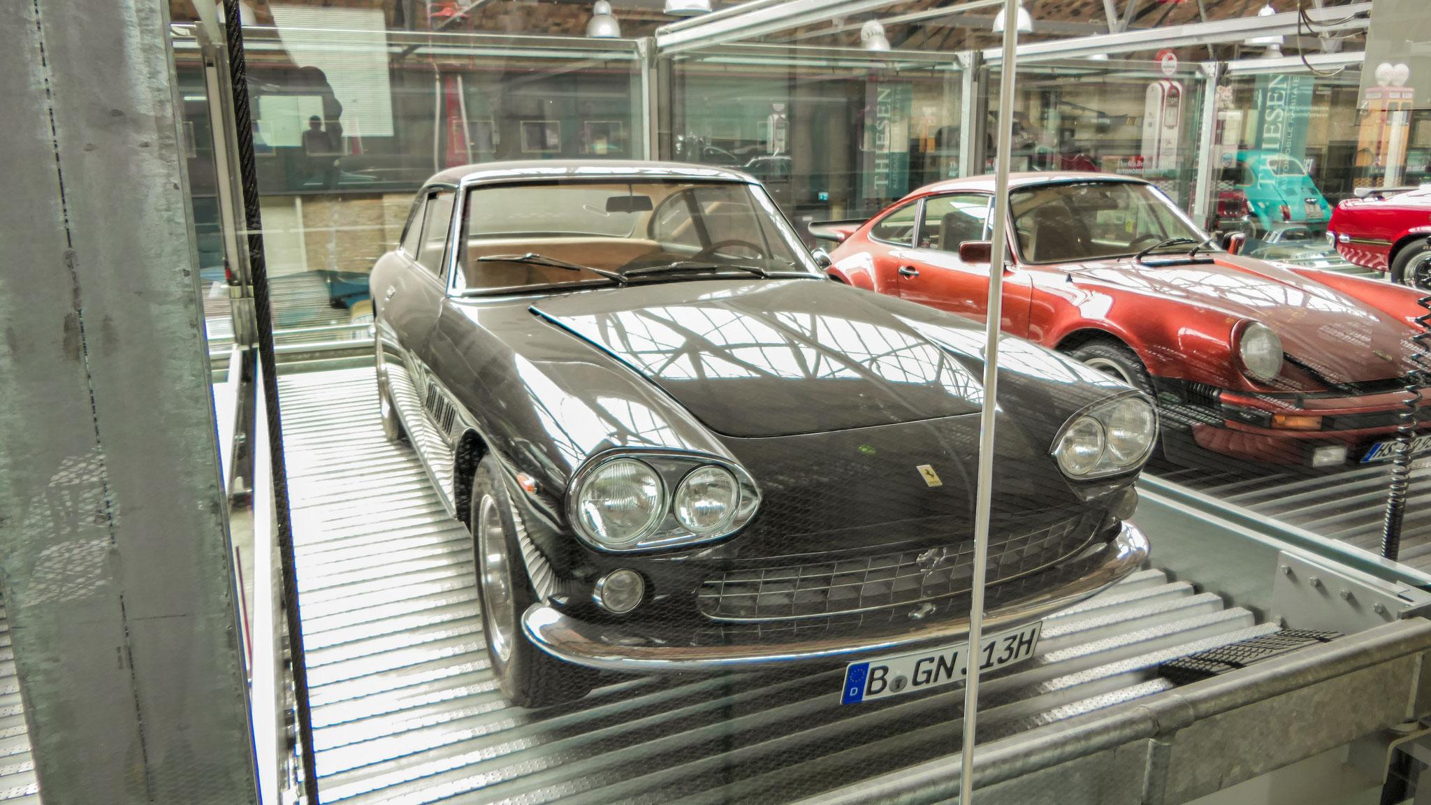 Ferrari 330 GT 2+2 - B-GN-313H