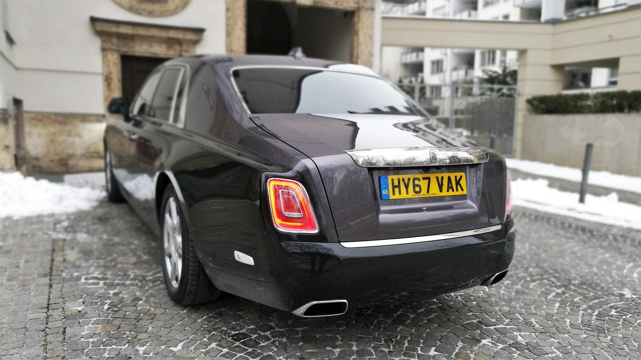 Rolls Royce Phantom - HY67-VAK (GB)