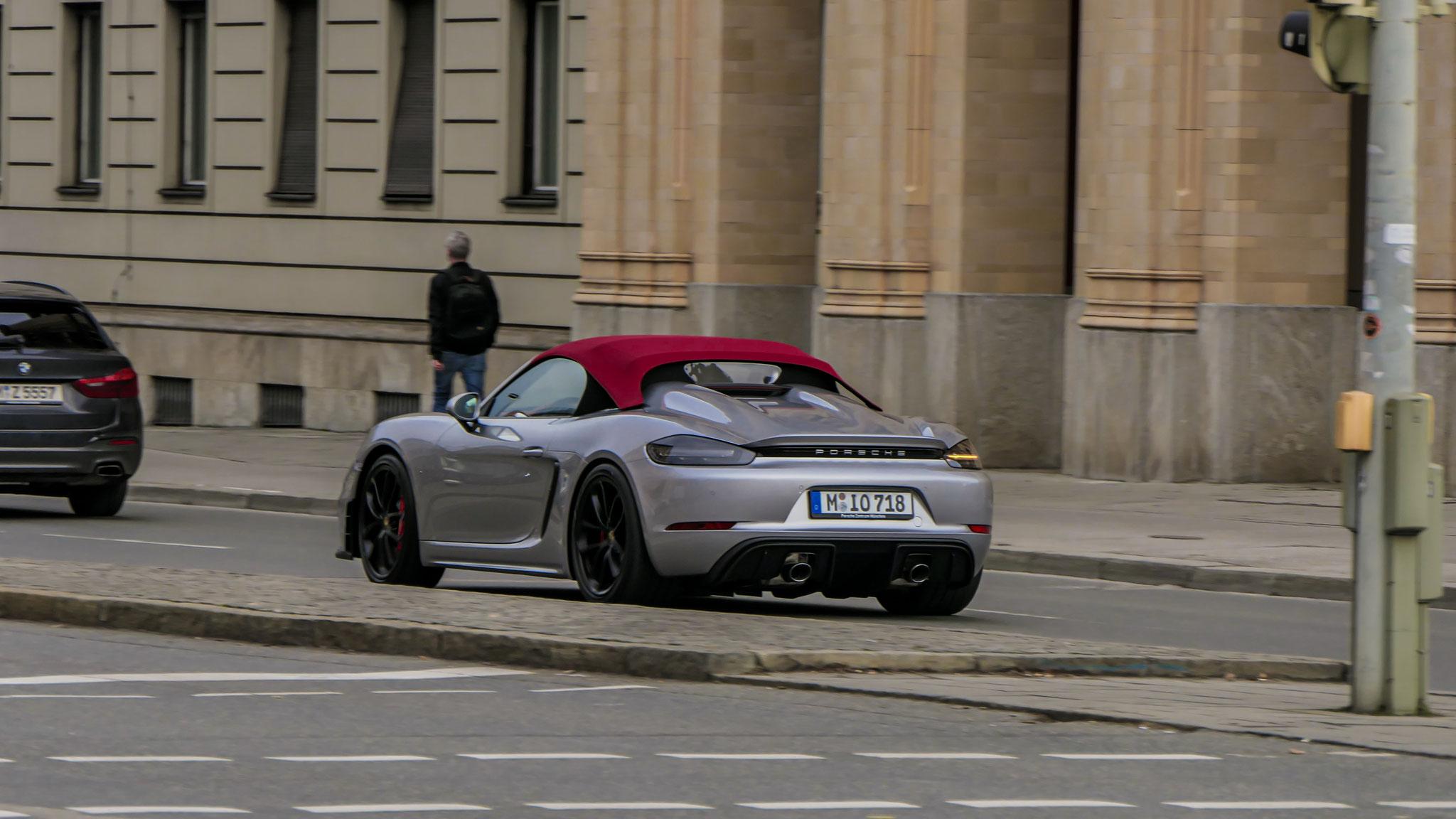 Porsche 718 Spyder -M-IO-718