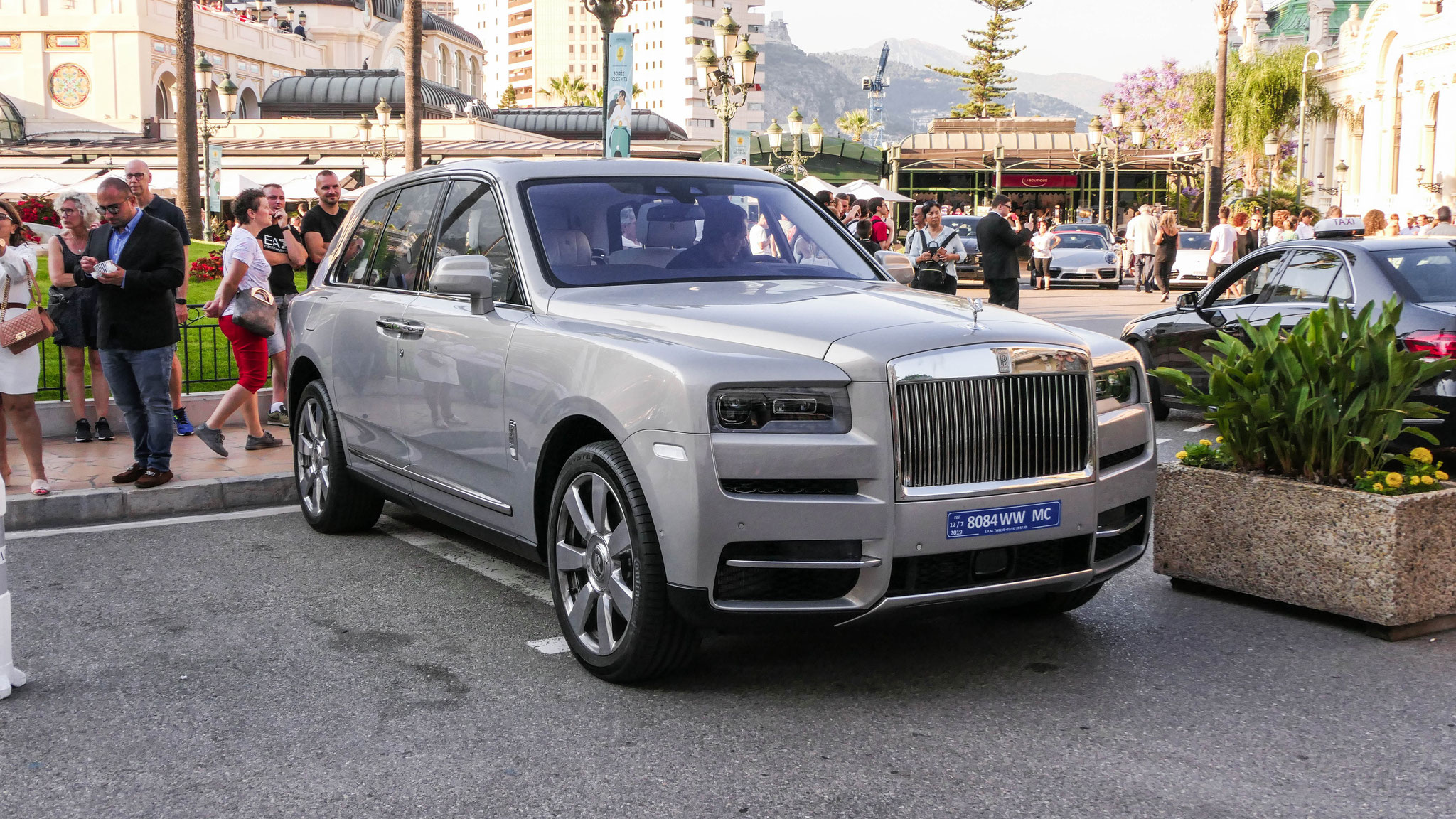 Rolls Royce Cullinan - 8084-WW-MC (MC)