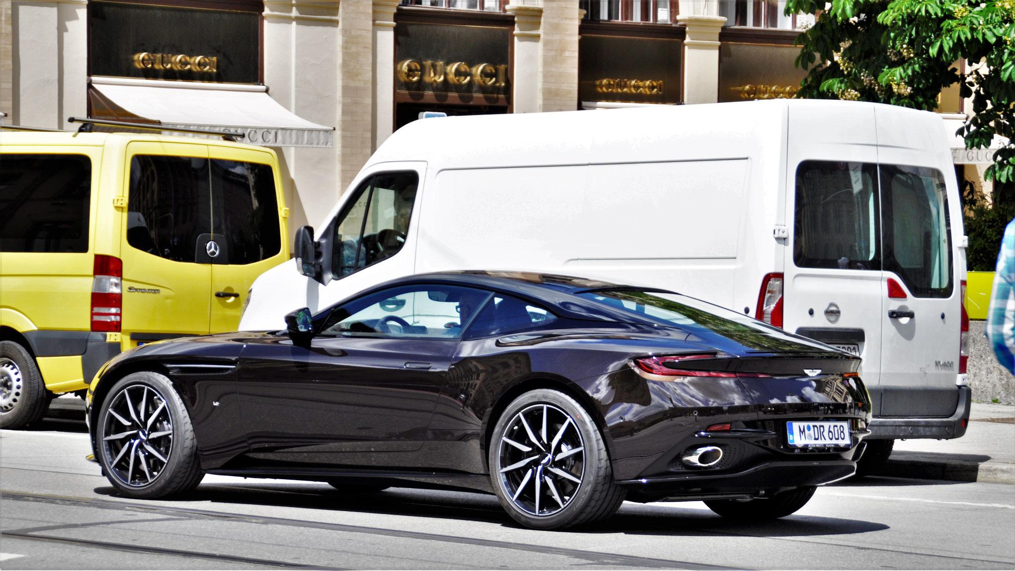 Aston Martin DB11 - M-DR-608