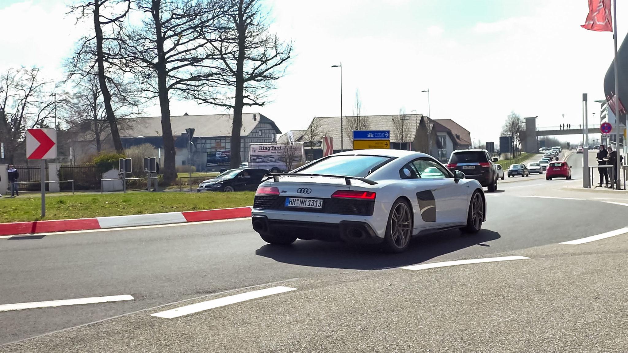 Audi R8 V10 - HH-NM-1313