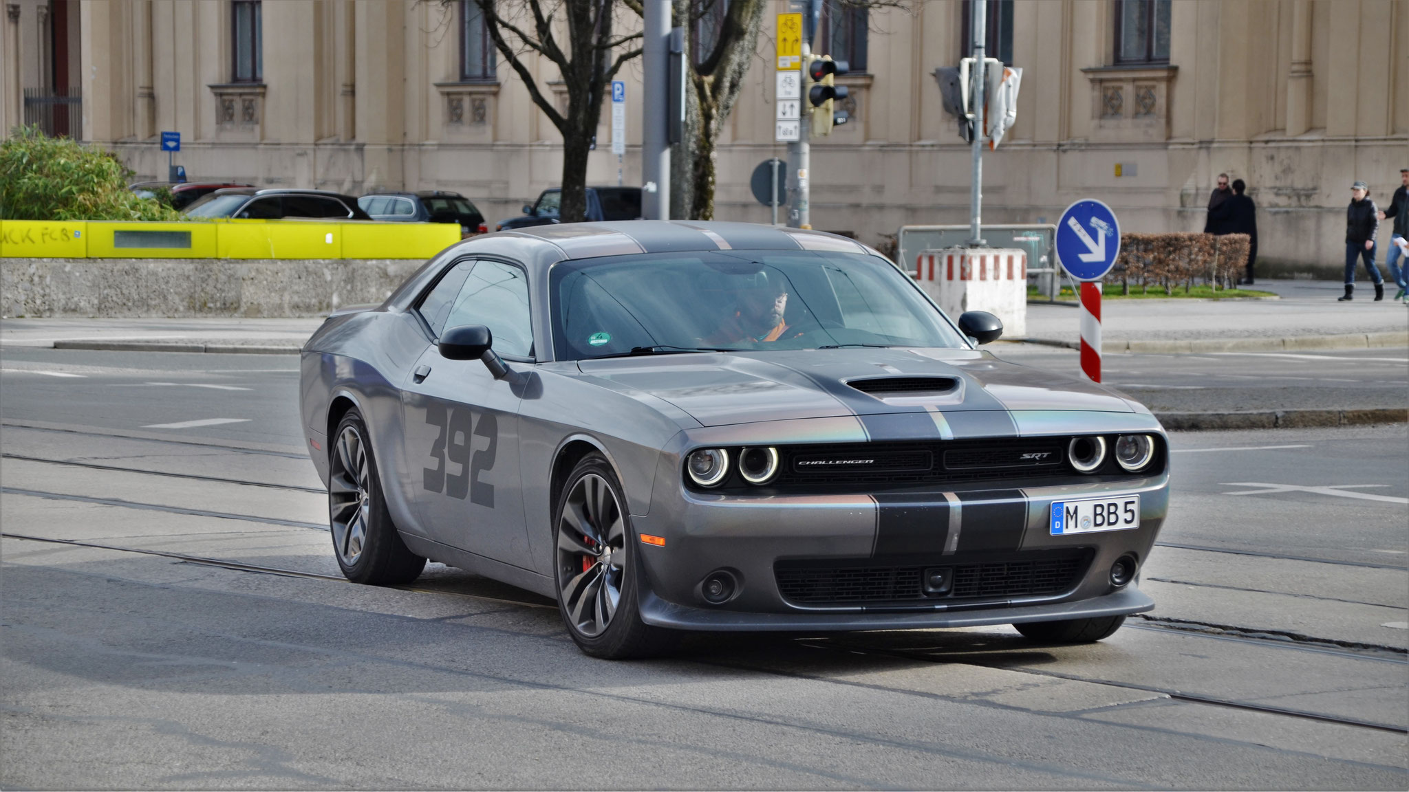 Dodge Challenger SRT 8 - M-BB-5