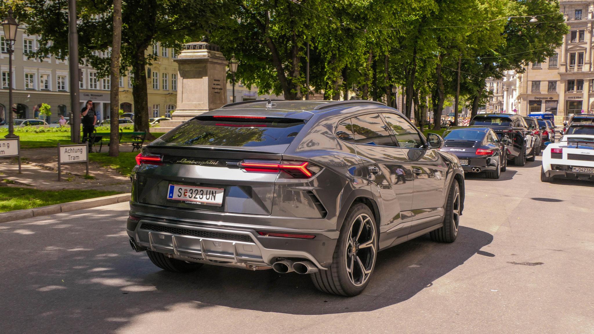 Lamborghini Urus -S-323-UN (AUT)