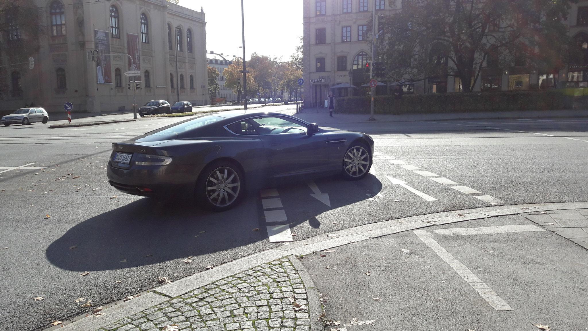 Aston Martin DB9 Coupé - M-JS-1661
