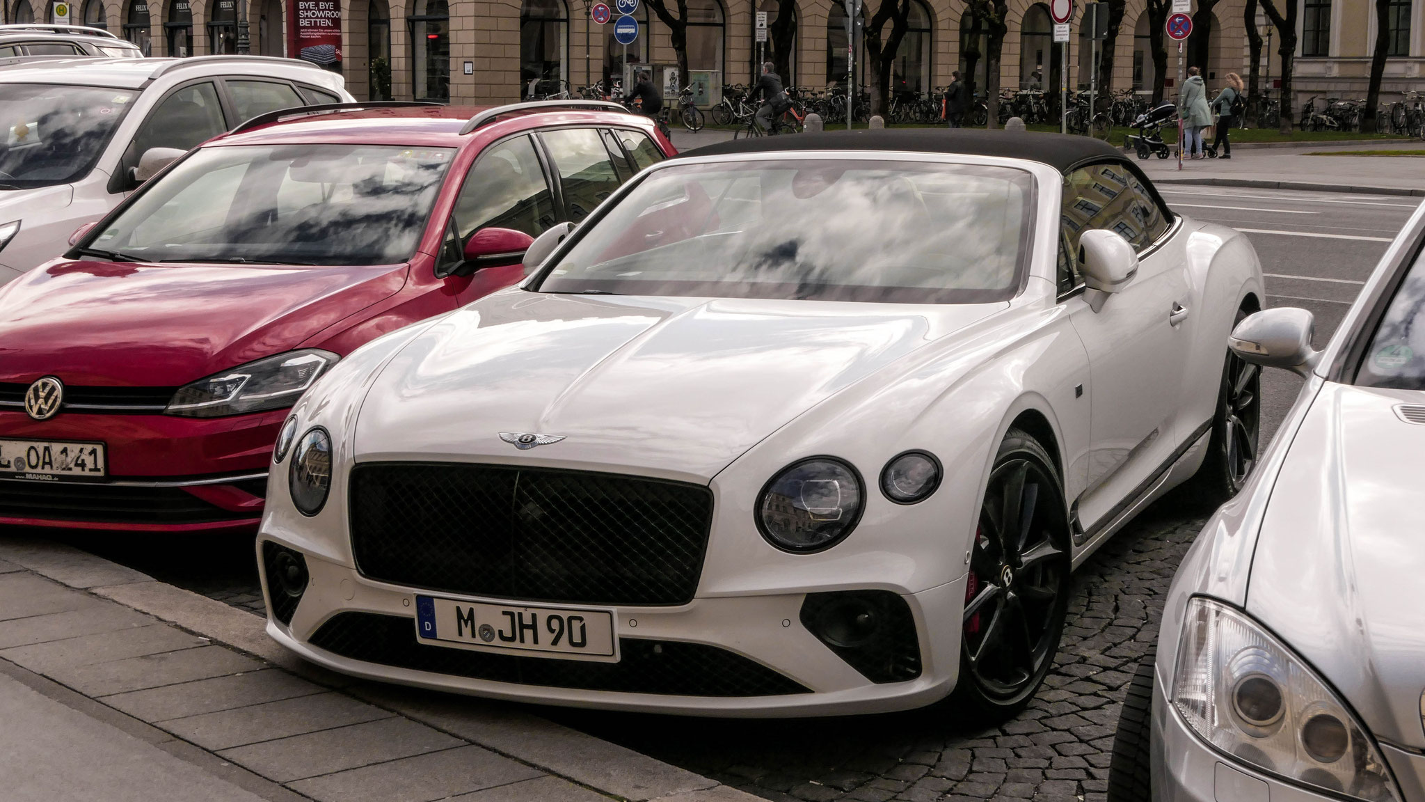 Bentley Continental GTC - M-JH-90