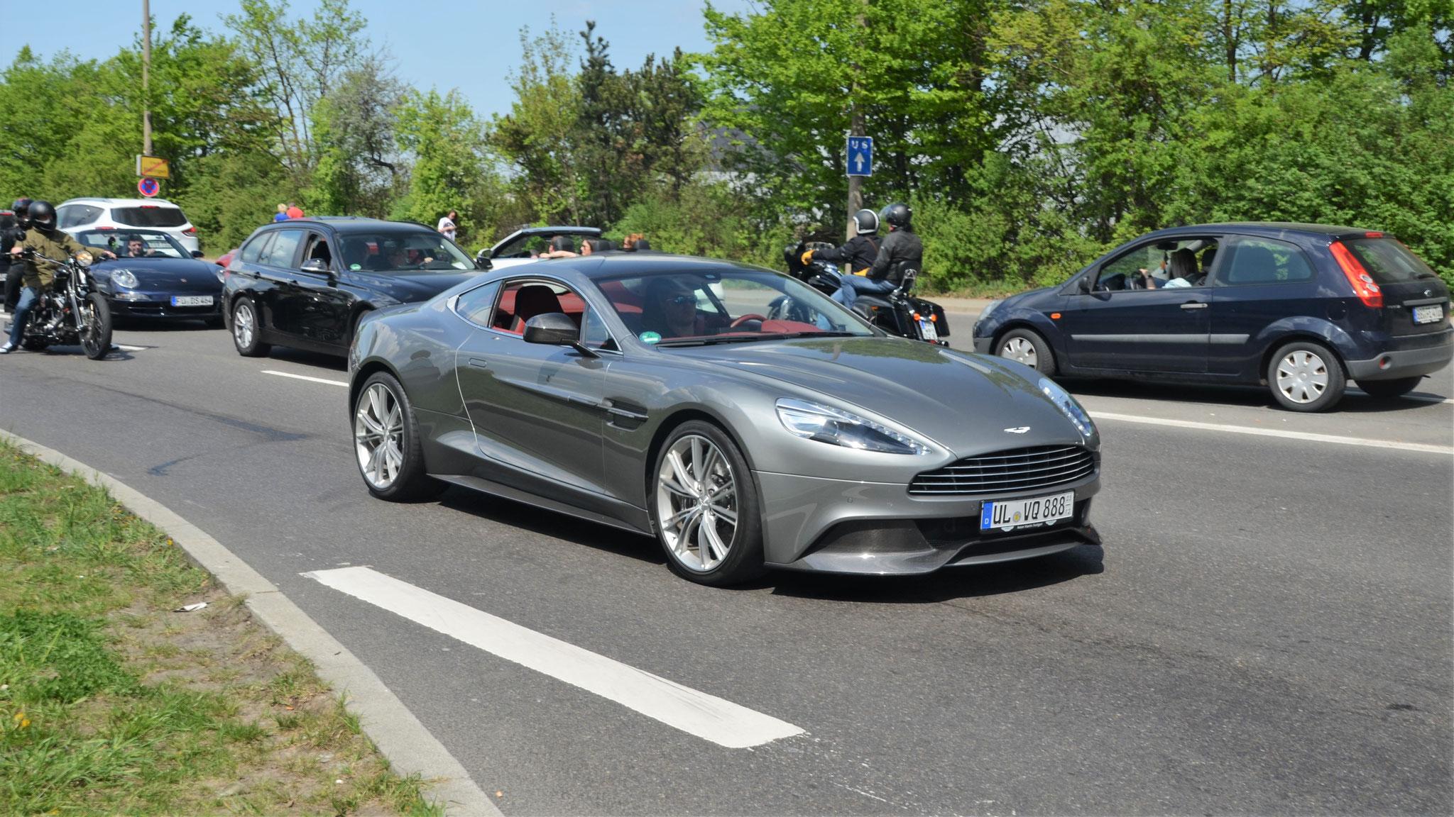 Aston Martin Vanquish - UL-VQ-888