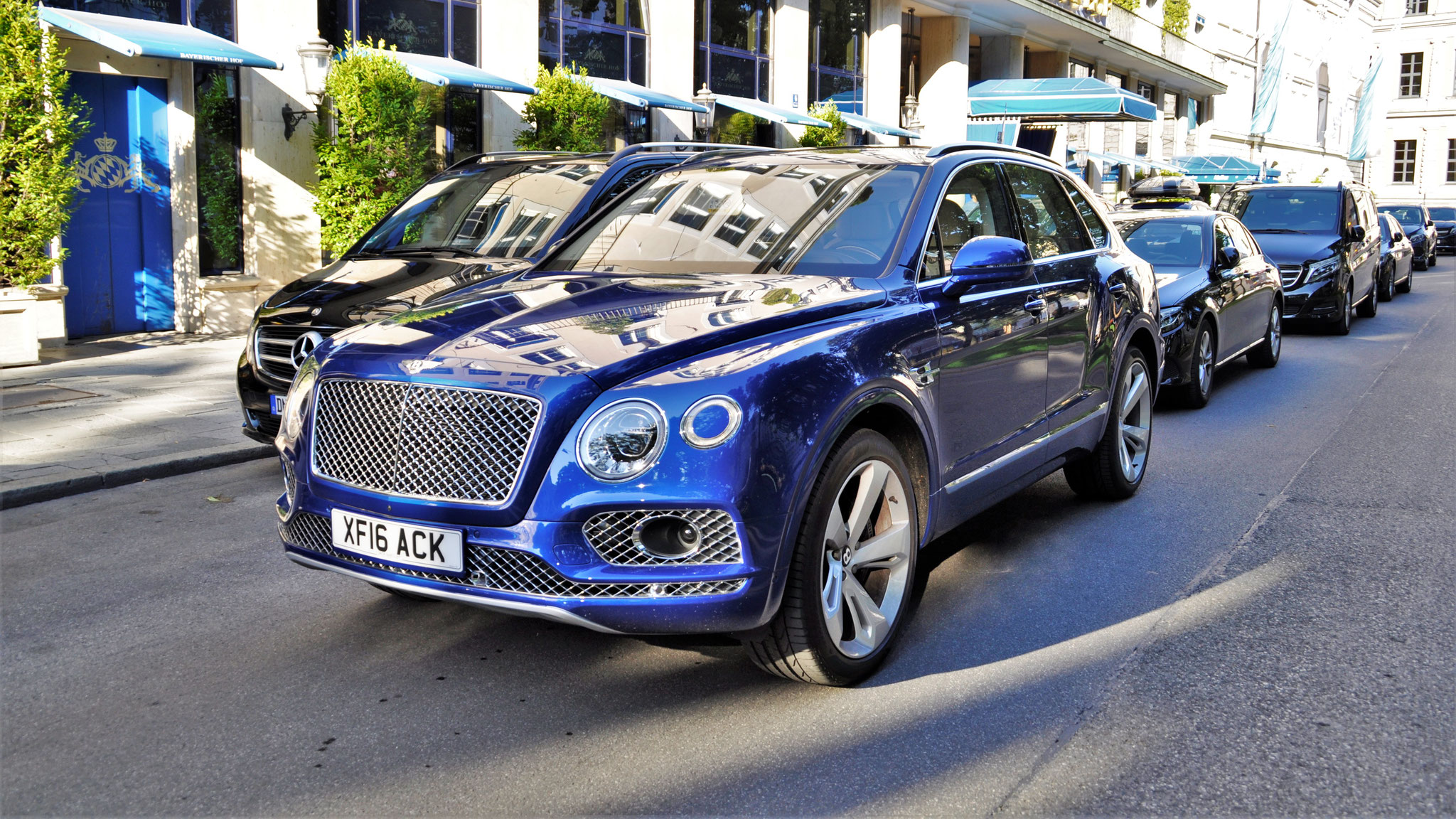 Bentley Bentayga - XF16-ACK (GB)