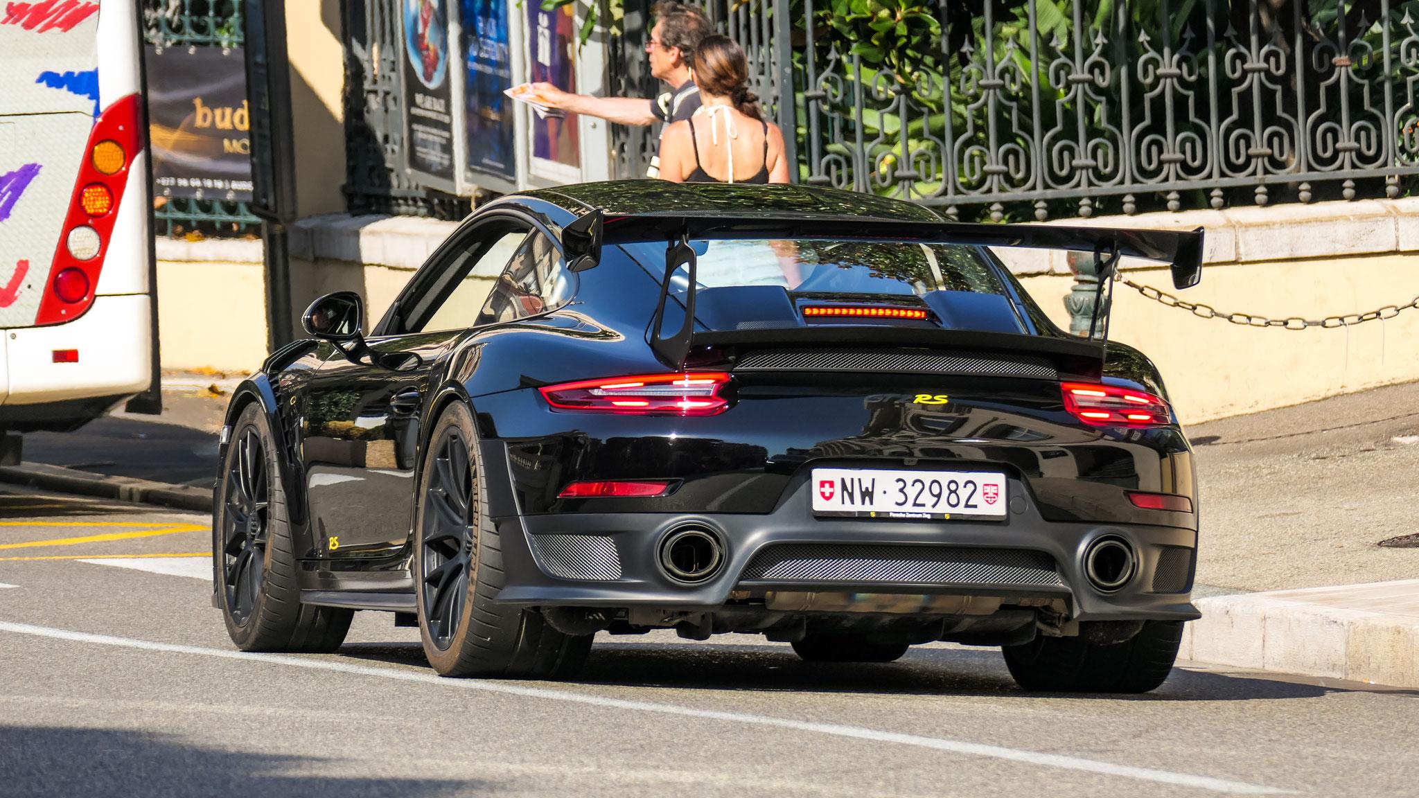 Porsche GT2 RS - NW-32982 (CH)