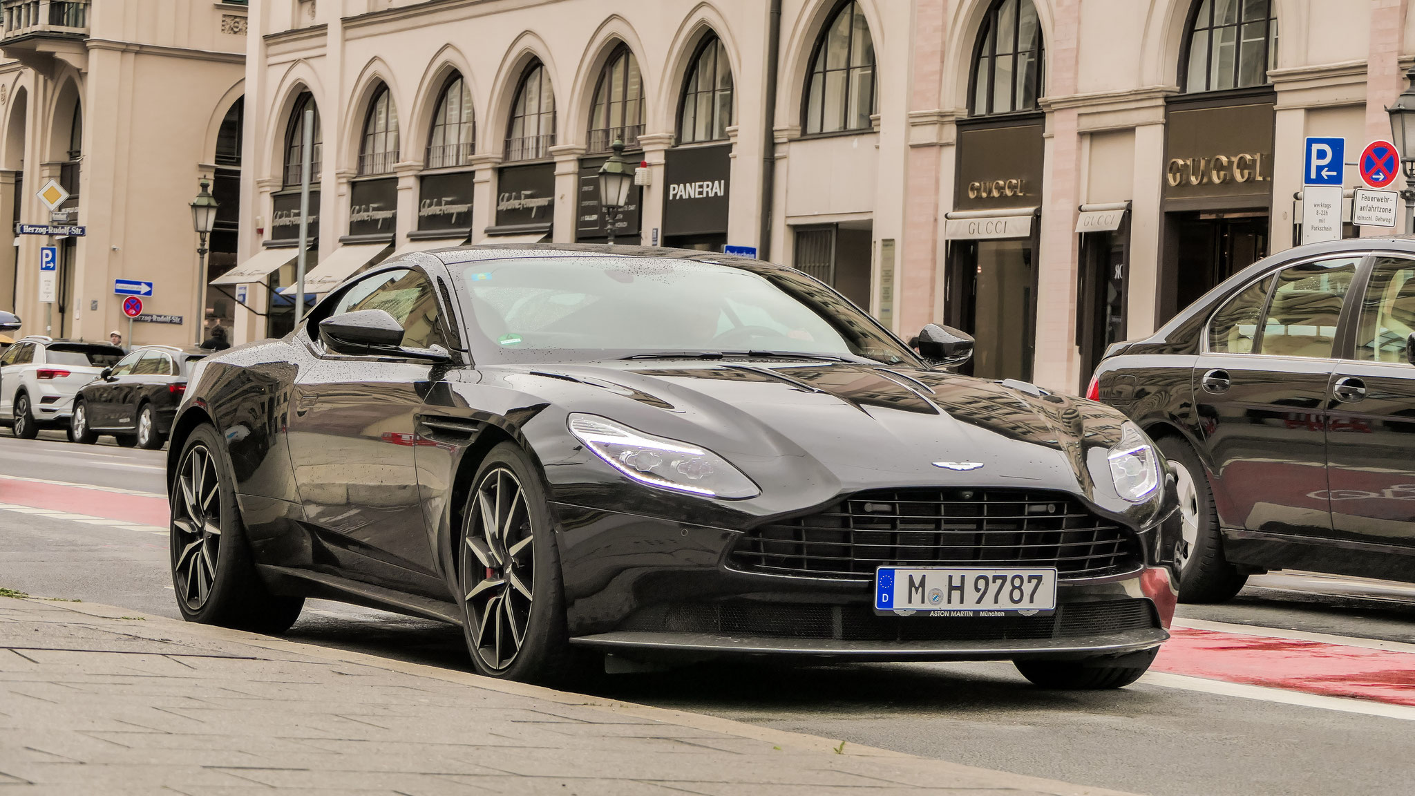 Aston Martin DB11 - M-H-9787