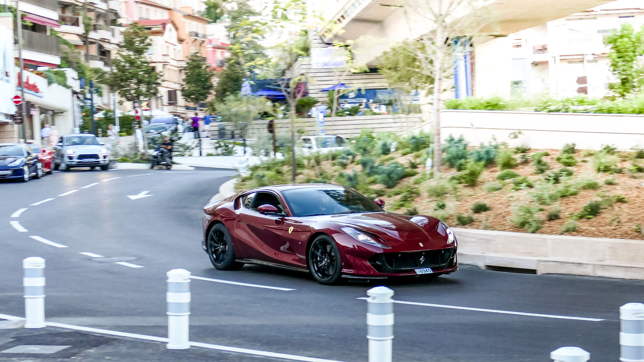 Ferrari 812 Superfast - 6940 (MC)