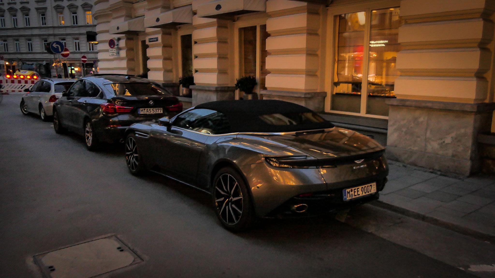 Aston Martin DB11 Volante - M-EE-9007