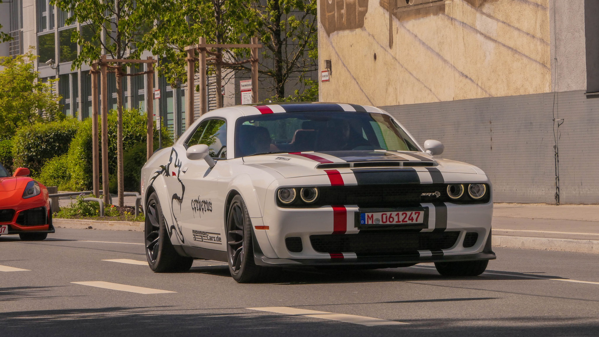 Dodge Challenger SRT - M-061247