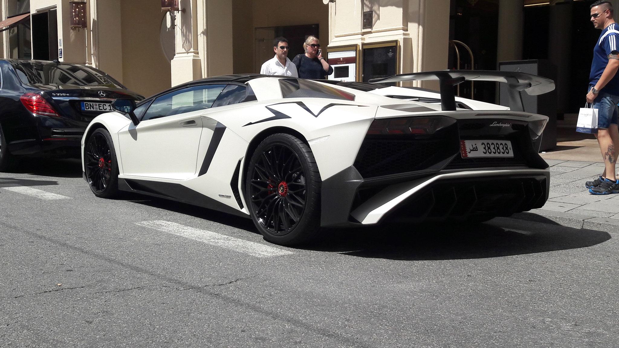 Lamborghini Aventador LP-750-4 SV Roadster  - 383838 (QAT)