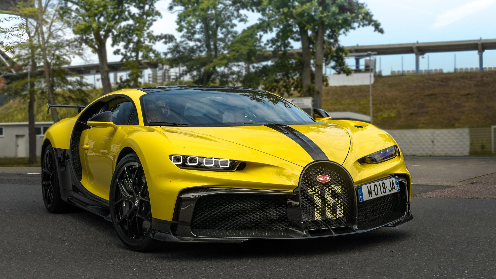 Bugatti Chiron Pur Sport - W-018-JA-67 (FRA)