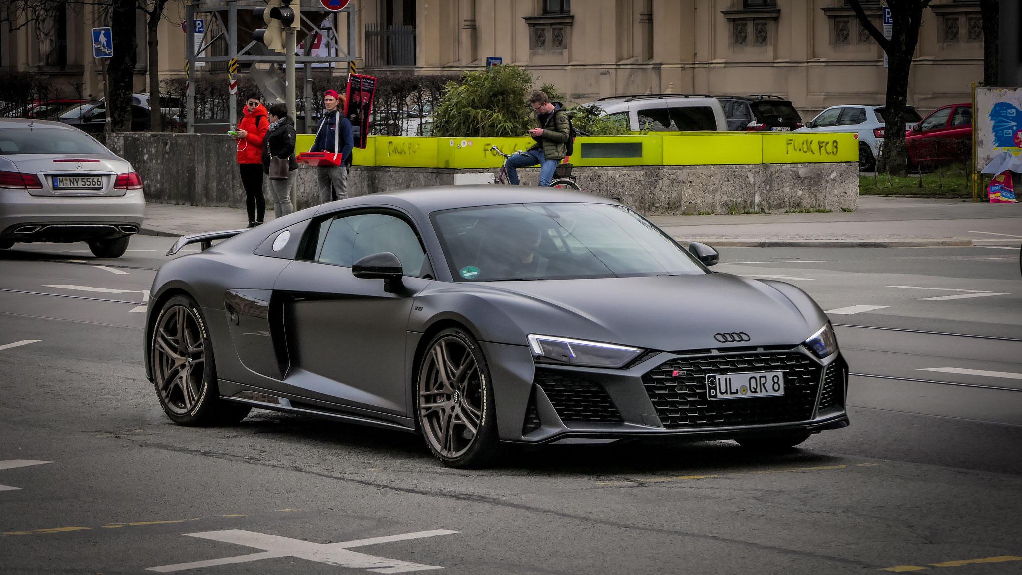 Audi R8 V10 Decennium - UL-QR-8