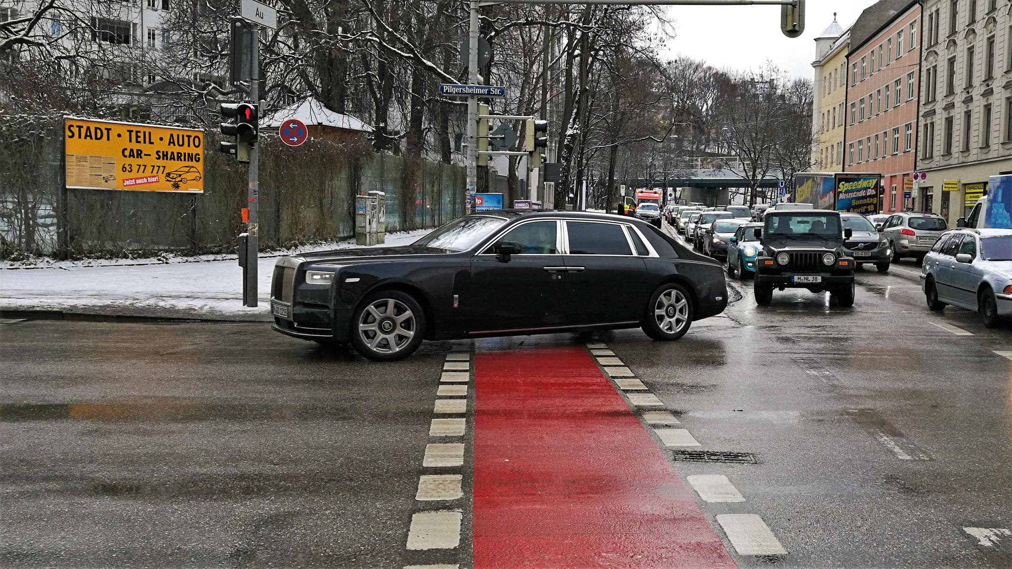 Rolls Royce Phantom EWB - M-QO-1215