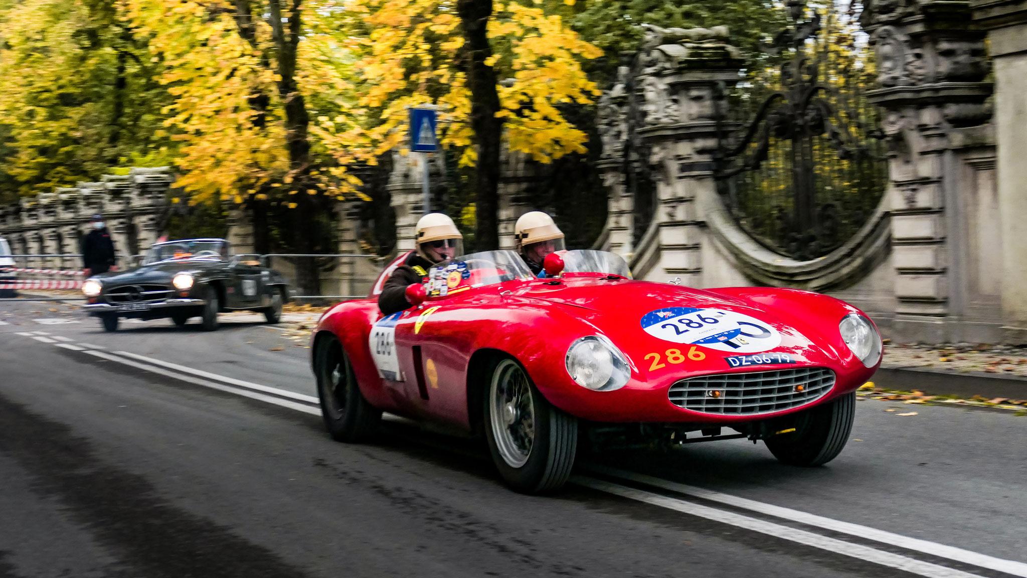 Ferrari 750 Monza Spider Scaglietti - DZ-06-79 (NL)