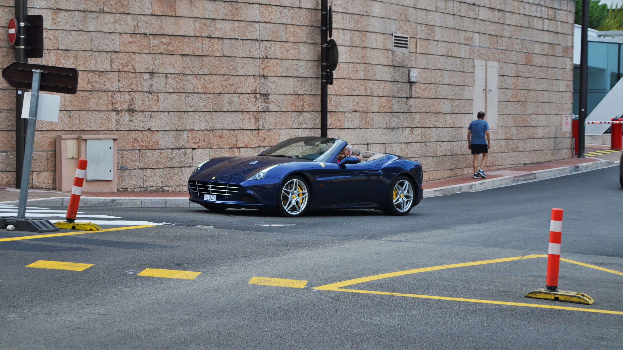 Ferrari California T - 5047 (MC)