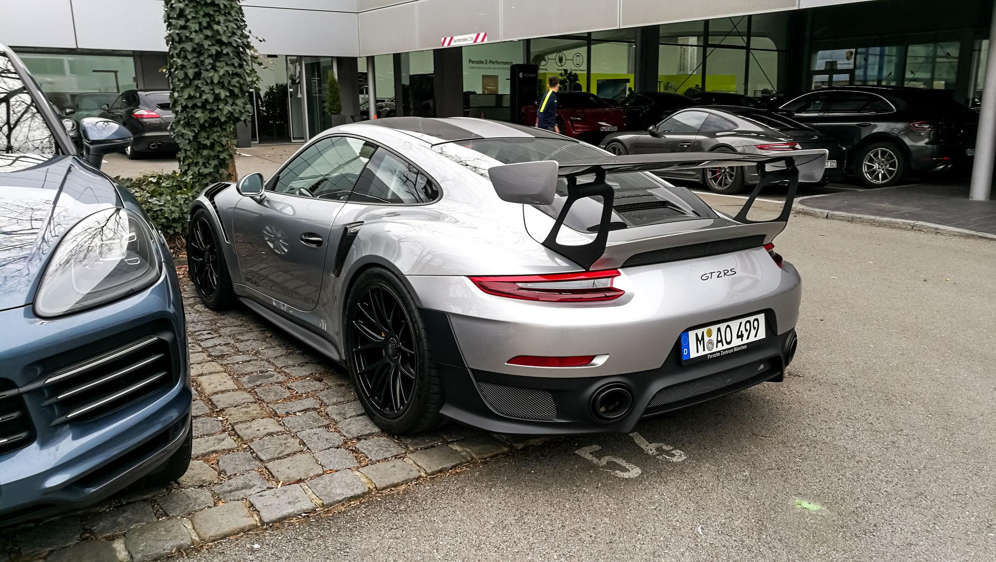 Porsche GT2 RS - M-AO-499