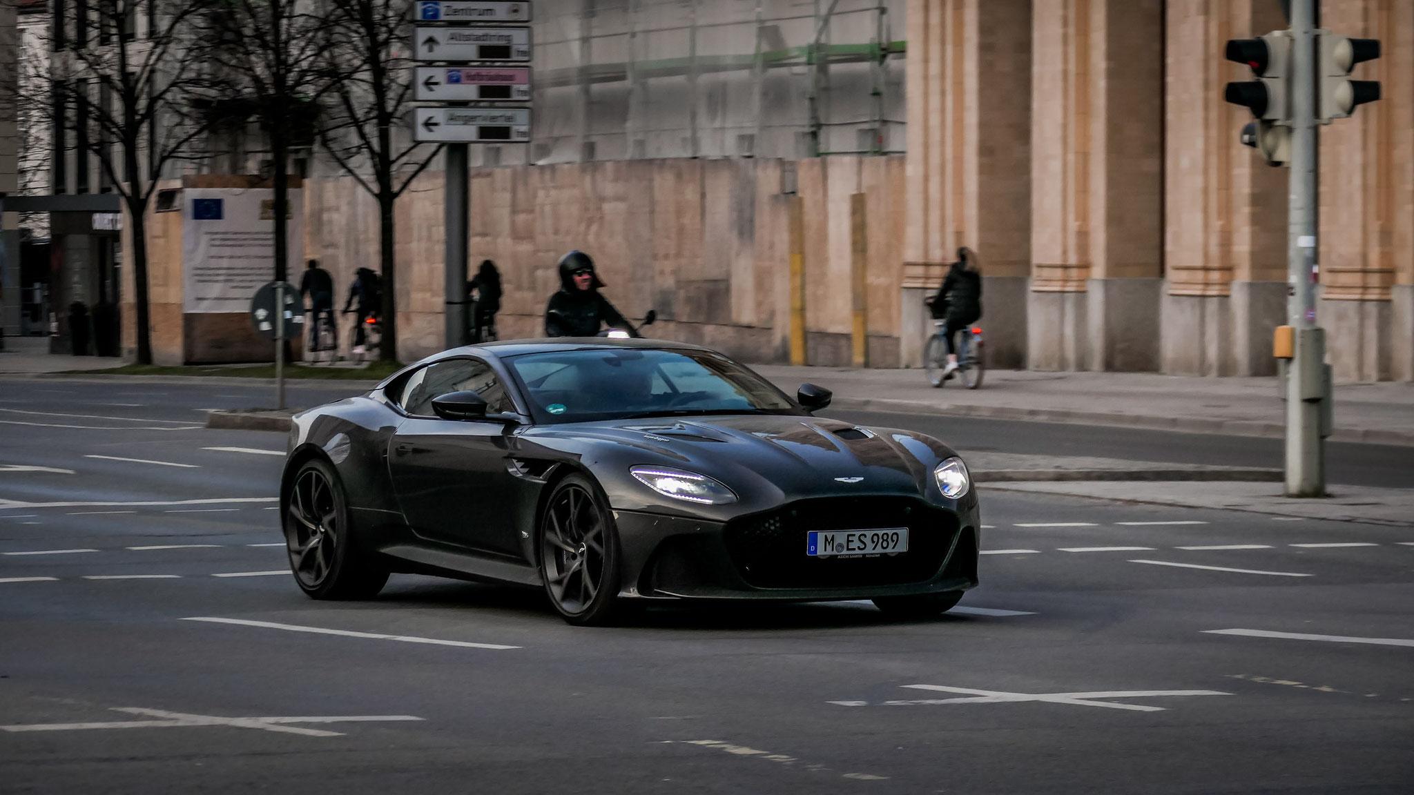 Aston Martin DBS Superleggera - M-ES-989